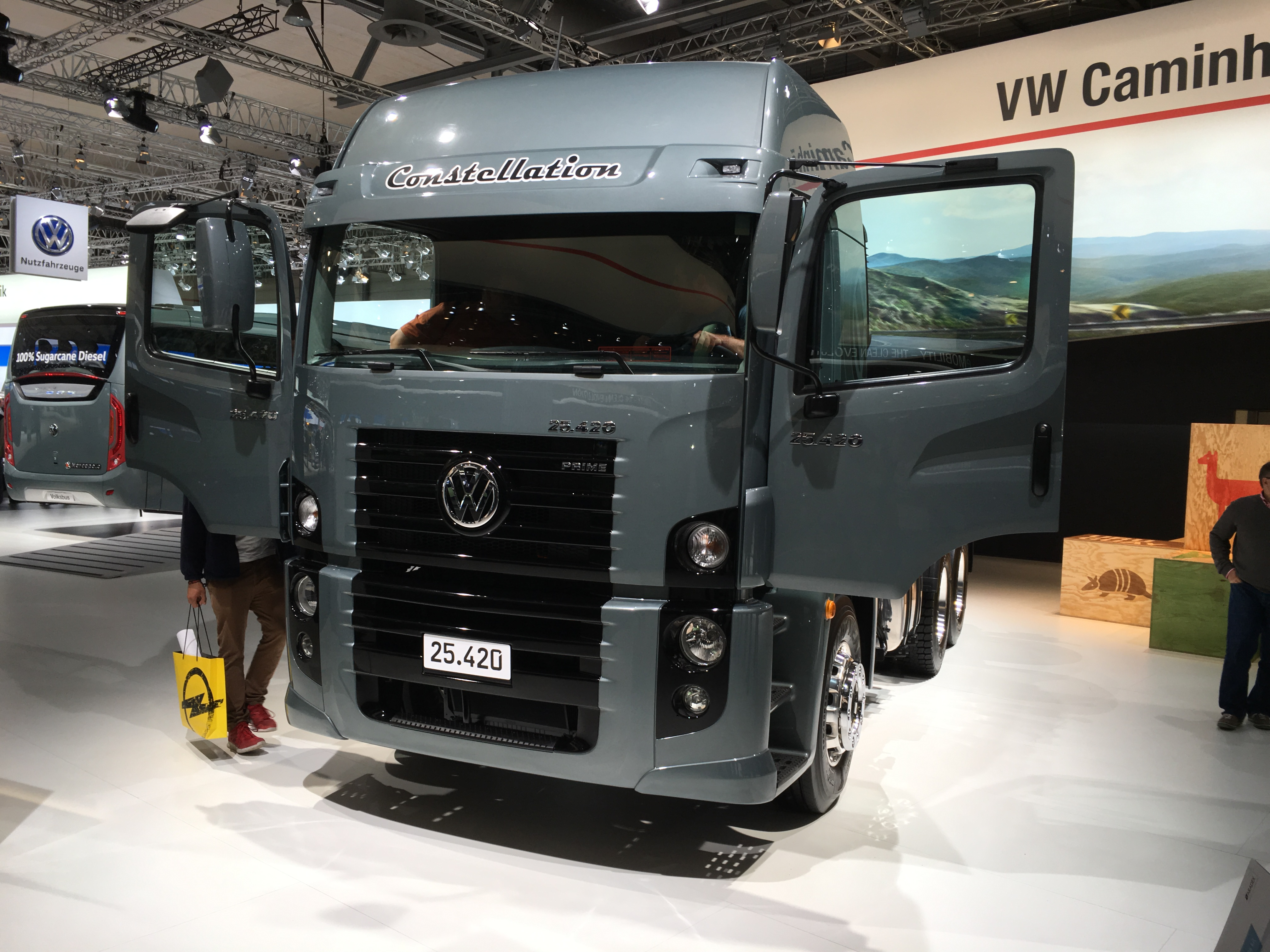 file vw truck at iaa 2016 in wikimedia commons. Black Bedroom Furniture Sets. Home Design Ideas