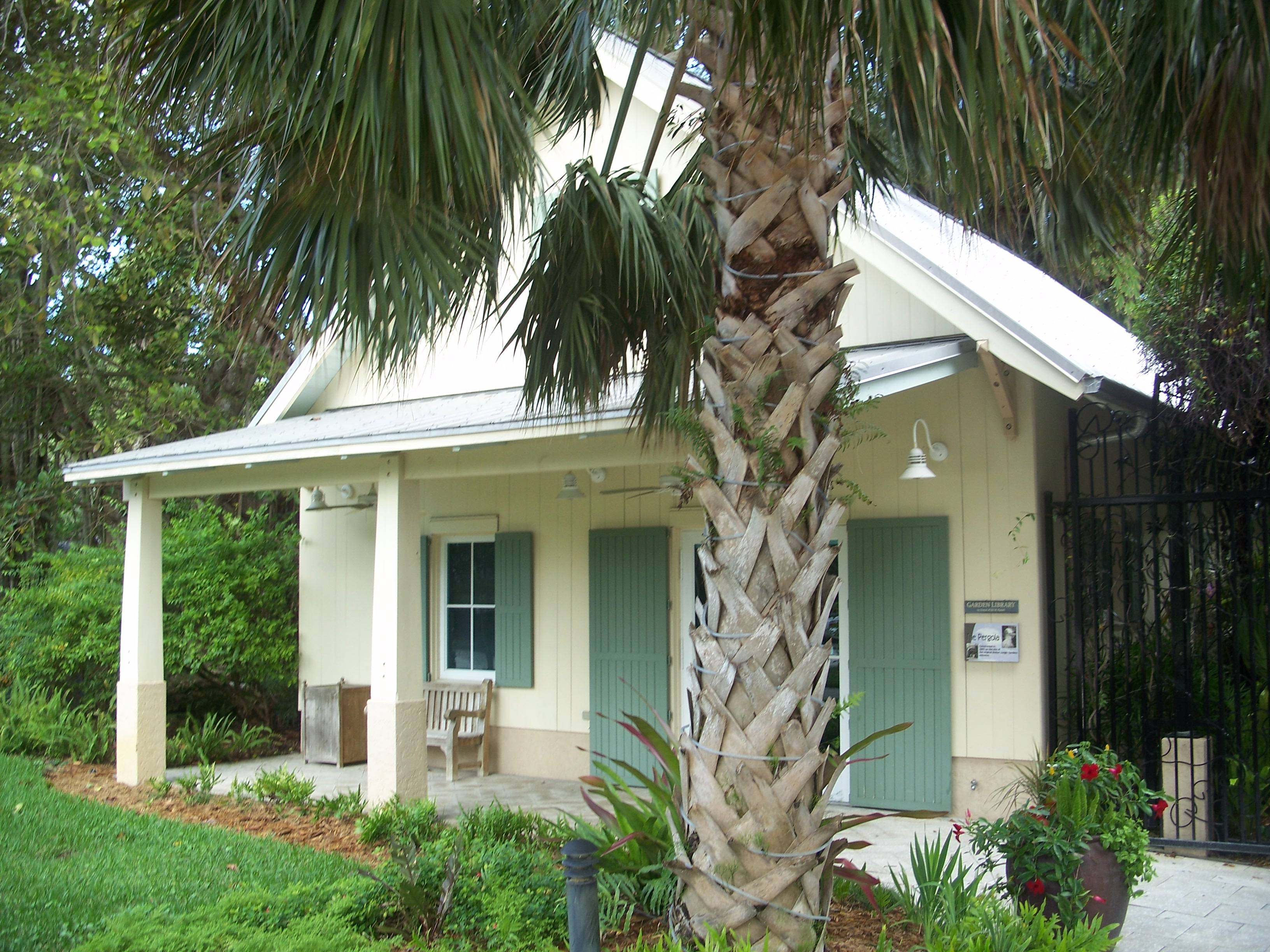 File:Vero Beach FL McKee Gardens03.jpg - Wikimedia Commons