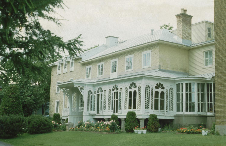 Villa Terre Du Sud file:villa beauvoir, 2315 chemin saint-louis, québec
