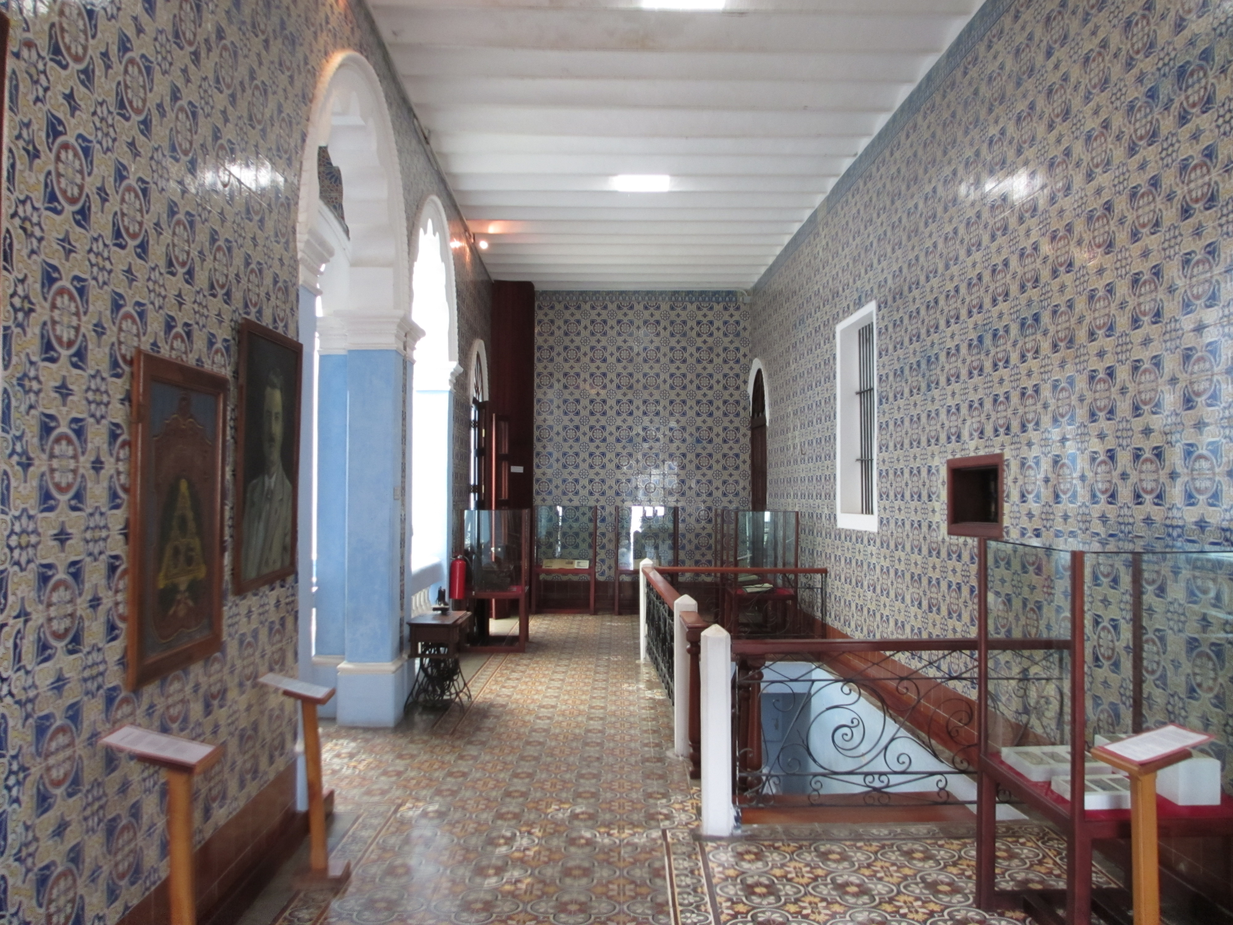 File villahermosa casa de los azulejos 4 jpg wikimedia for Edificio de los azulejos