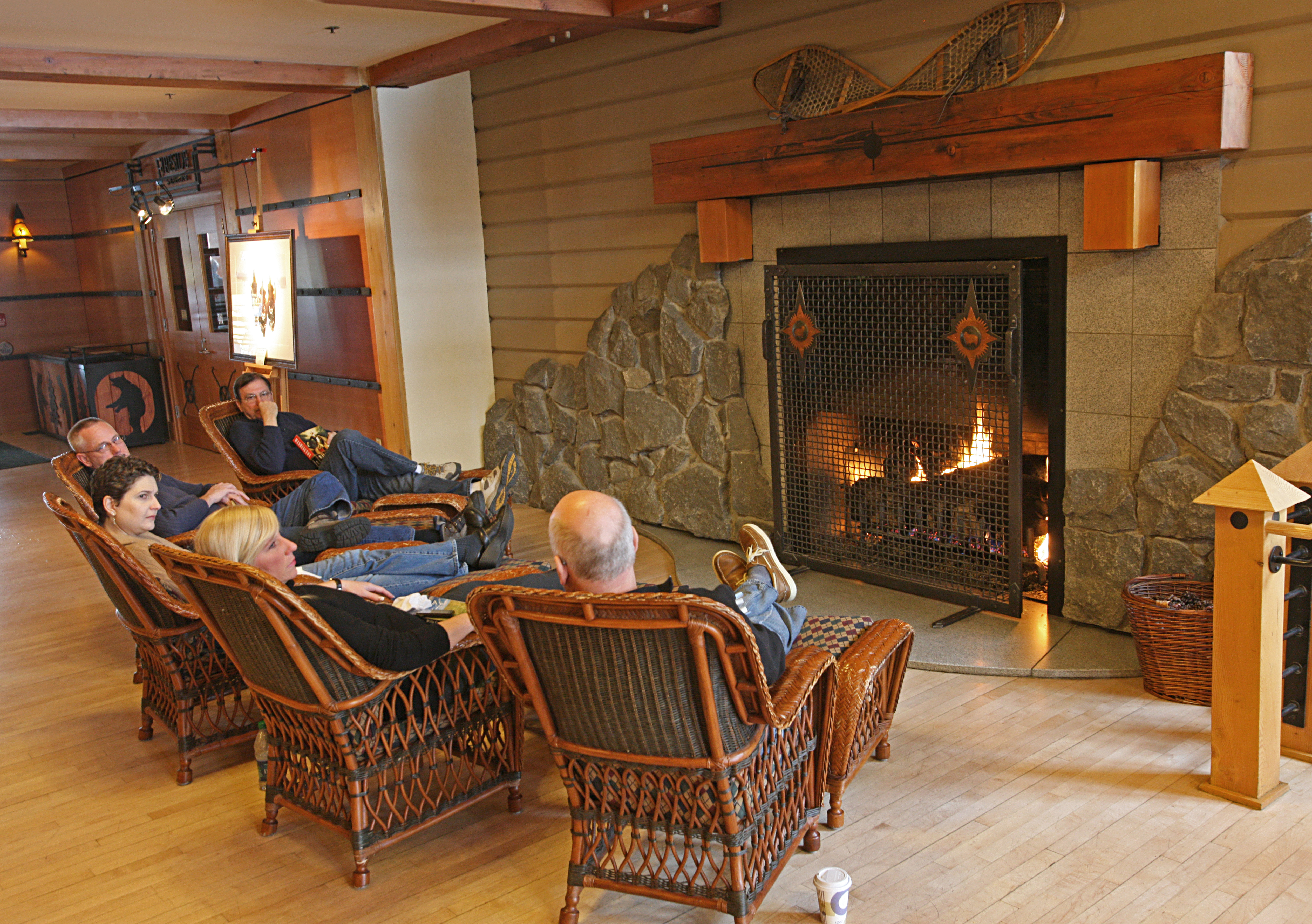 File:Visitors By The Fireplace At Old Faithful Snow Lodge (23751752015)