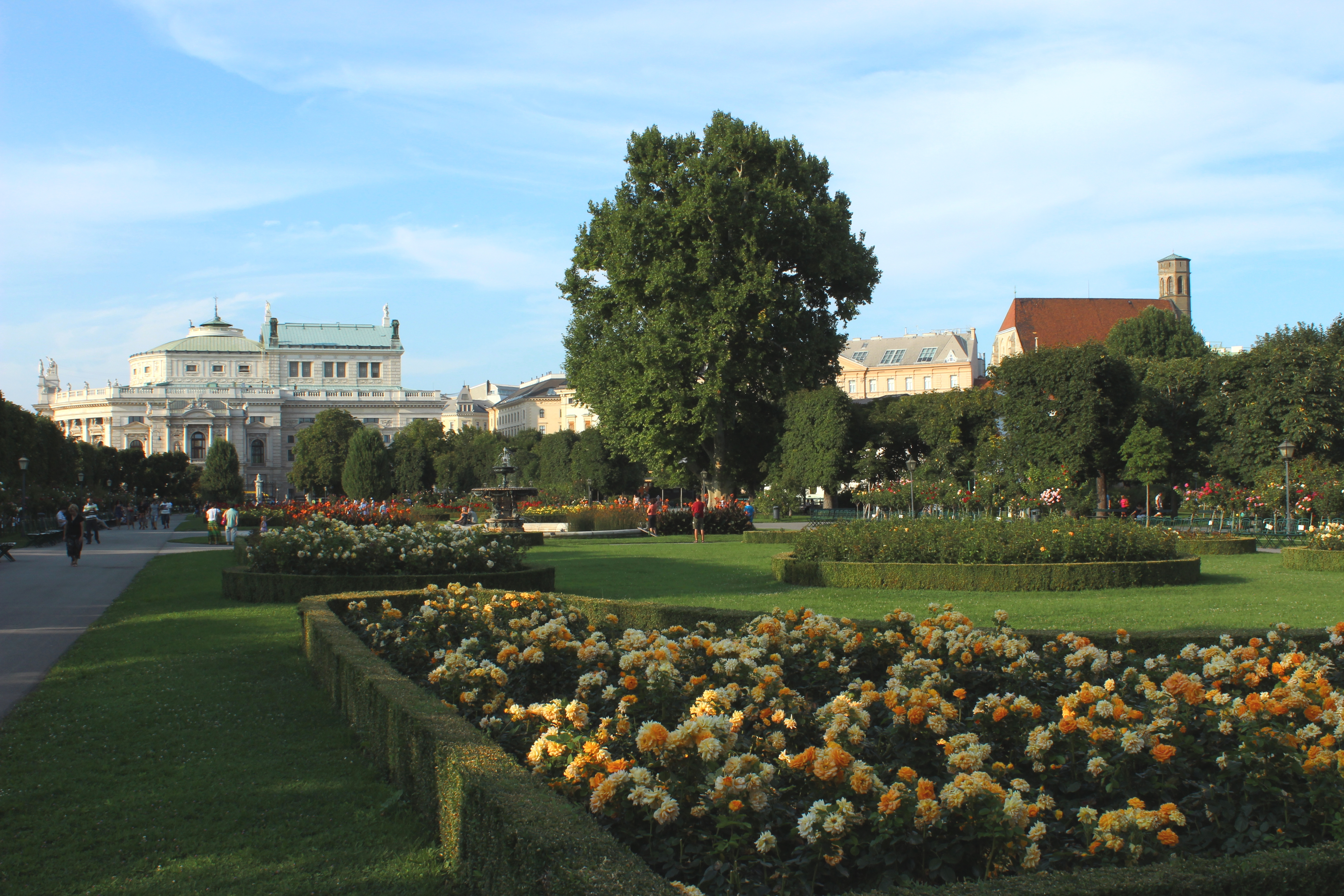 Filevolksgarten Wien August 2014jpg Wikimedia Commons