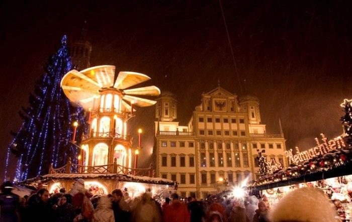 File:Weihnachtsmarkt augsburg.jpg