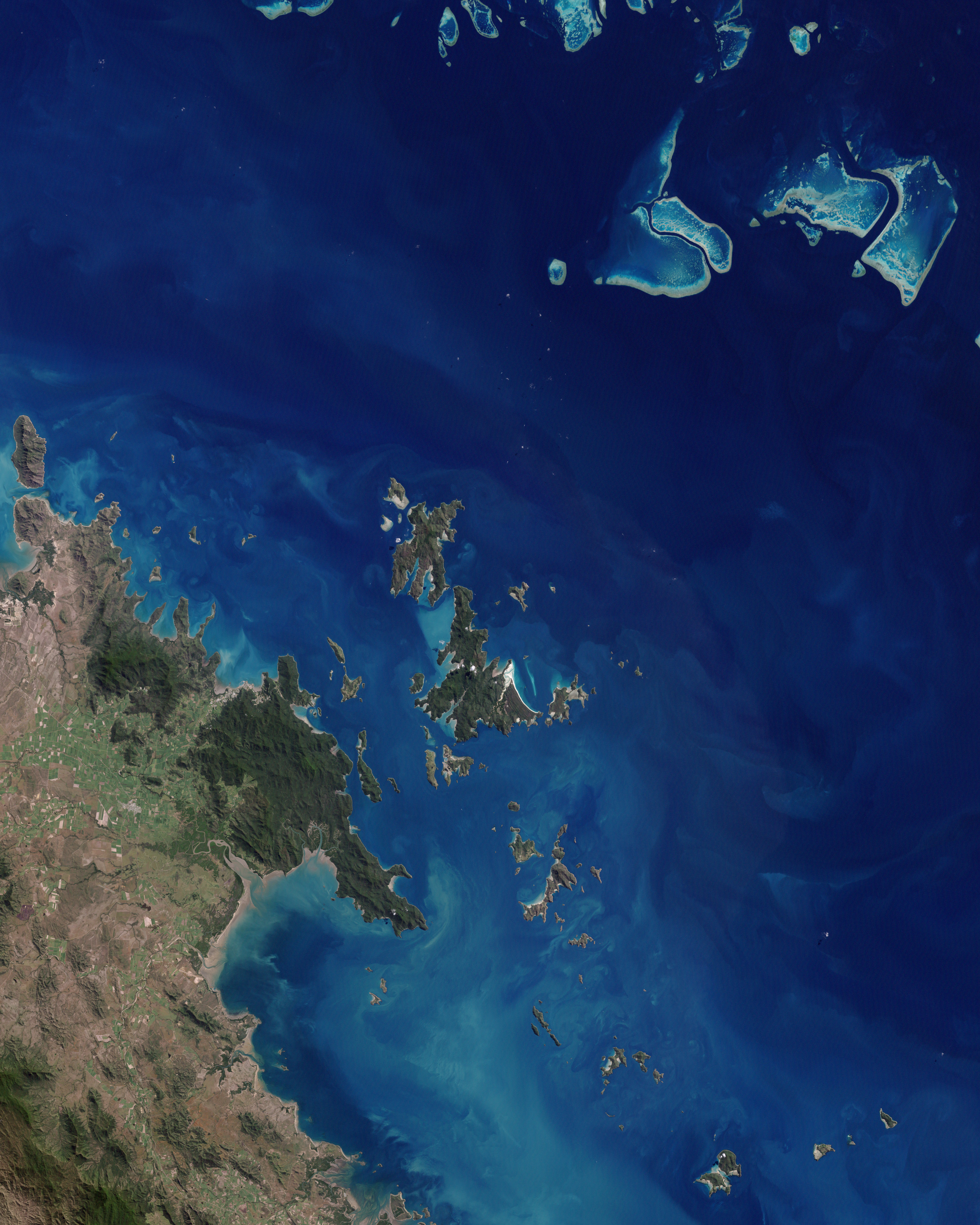 Fly Hamilton Island To Cairns