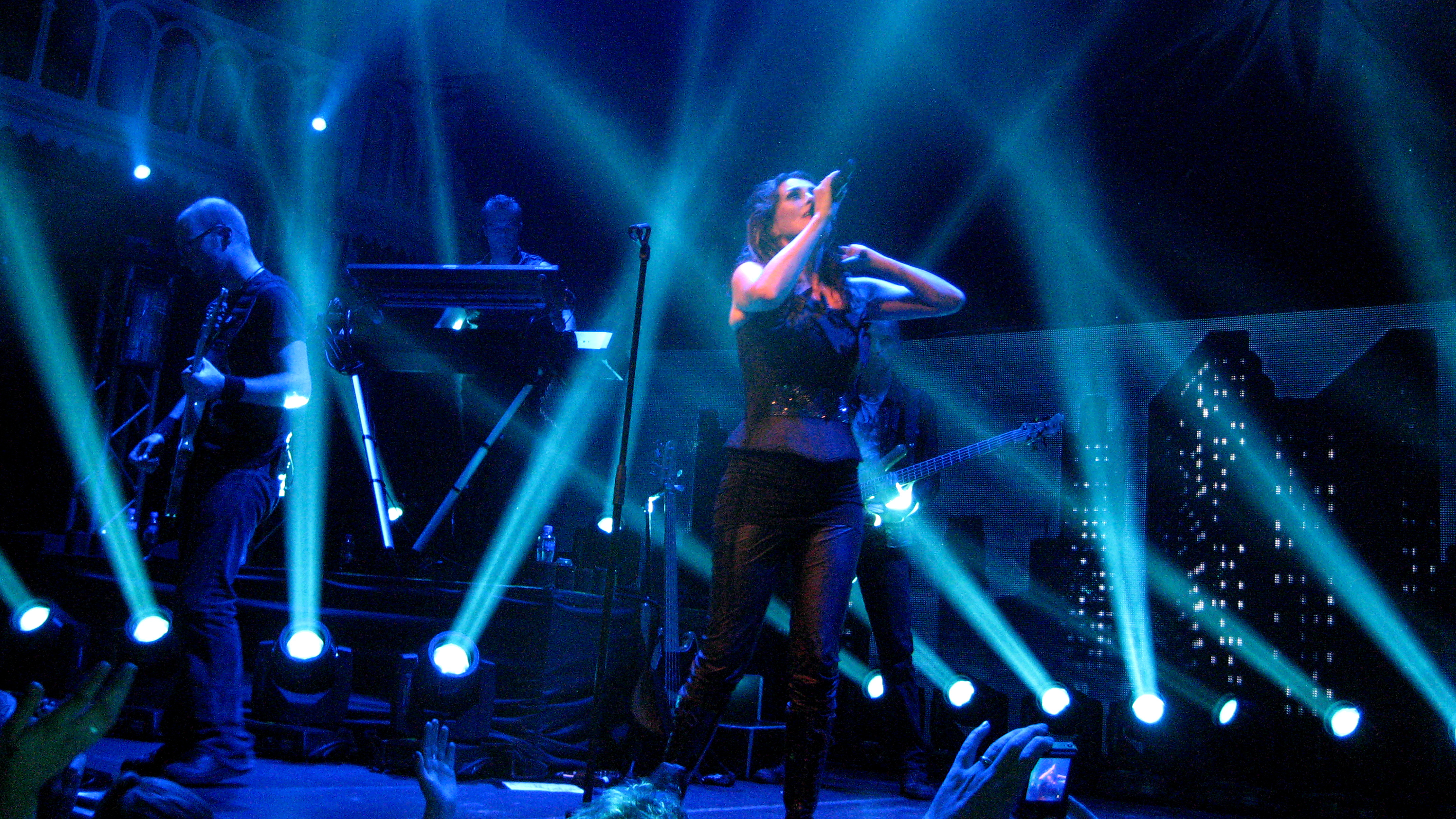 file within temptation live in paradiso 6198664186 jpg wikimedia commons. Black Bedroom Furniture Sets. Home Design Ideas