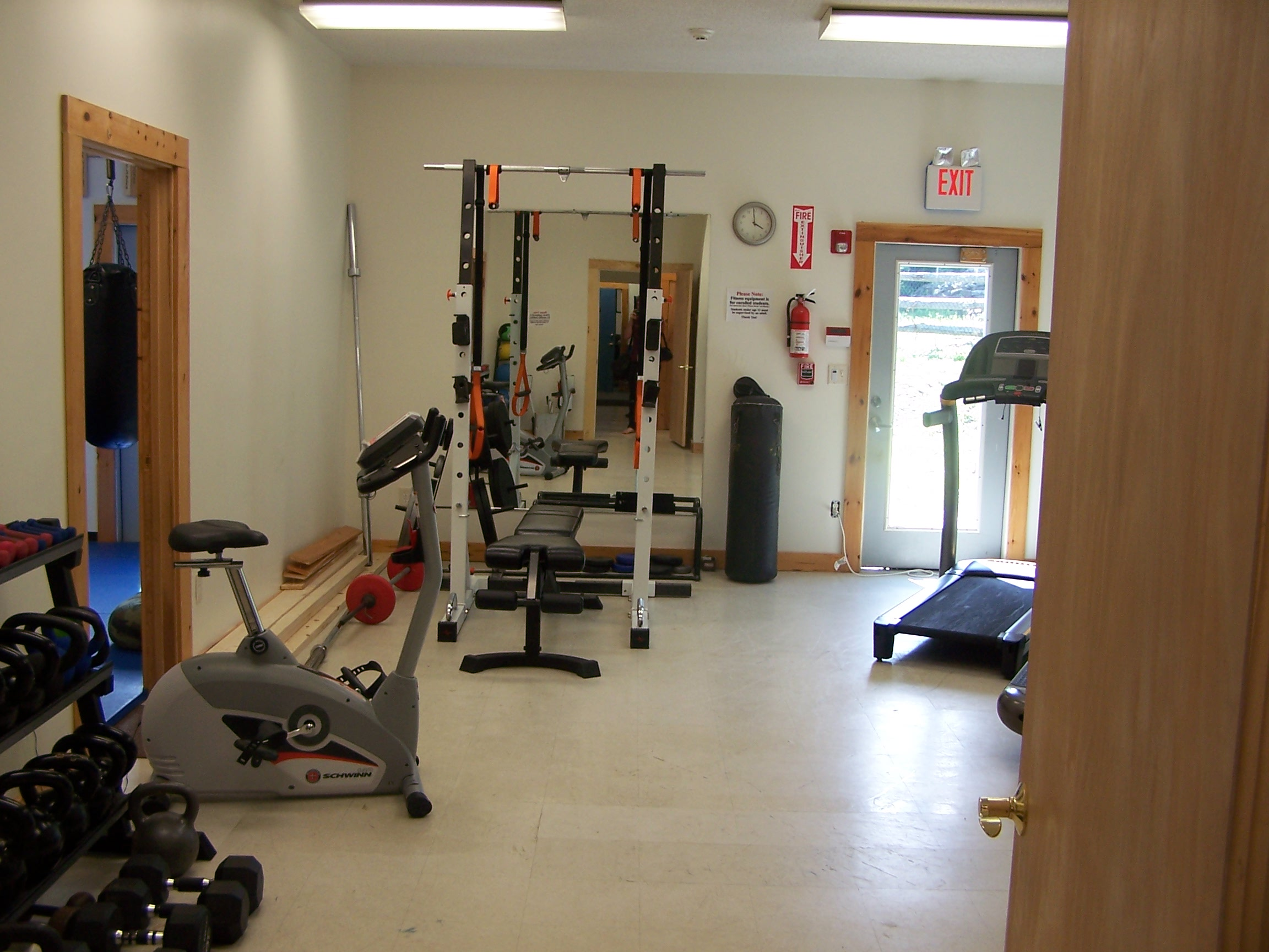 File zenquest fitness room g wikimedia commons