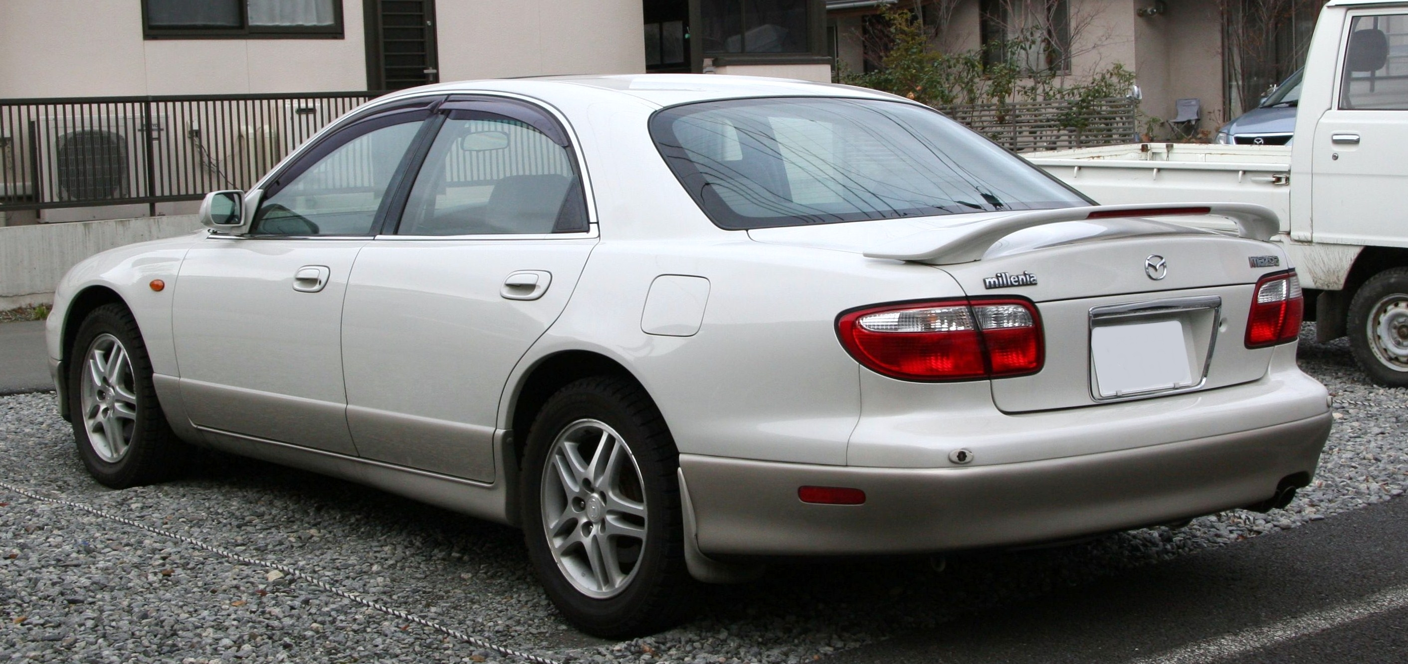 file:1998-2000 mazda millenia rear - wikimedia commons