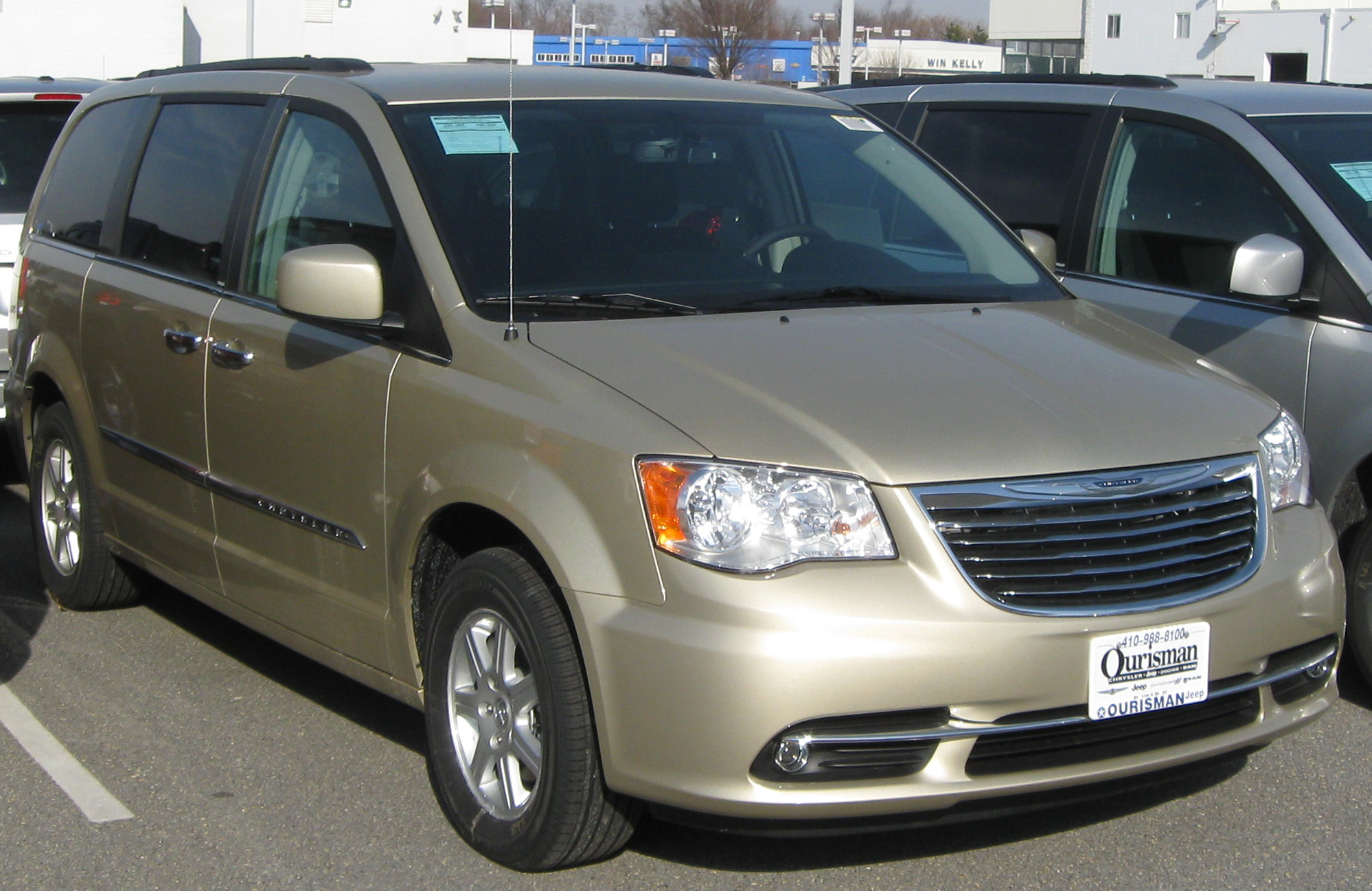 2011 chrysler town and country release date. Black Bedroom Furniture Sets. Home Design Ideas
