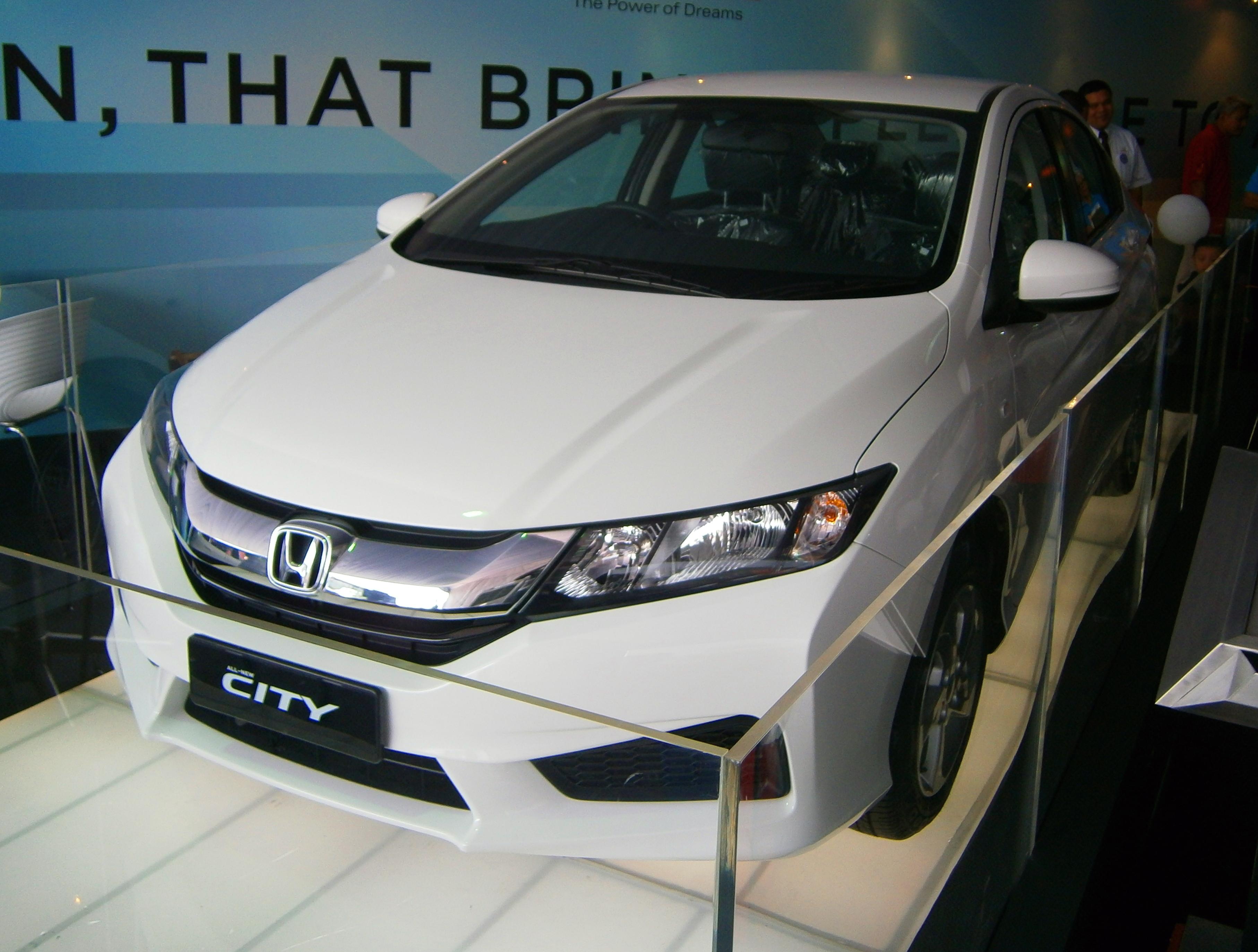 File 2014 Honda City Pre Launch Display Unit In Glenmarie Malaysia 01 Jpg Wikimedia Commons