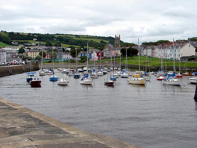 Aberaeron harbour - geograph.org.uk - 497134