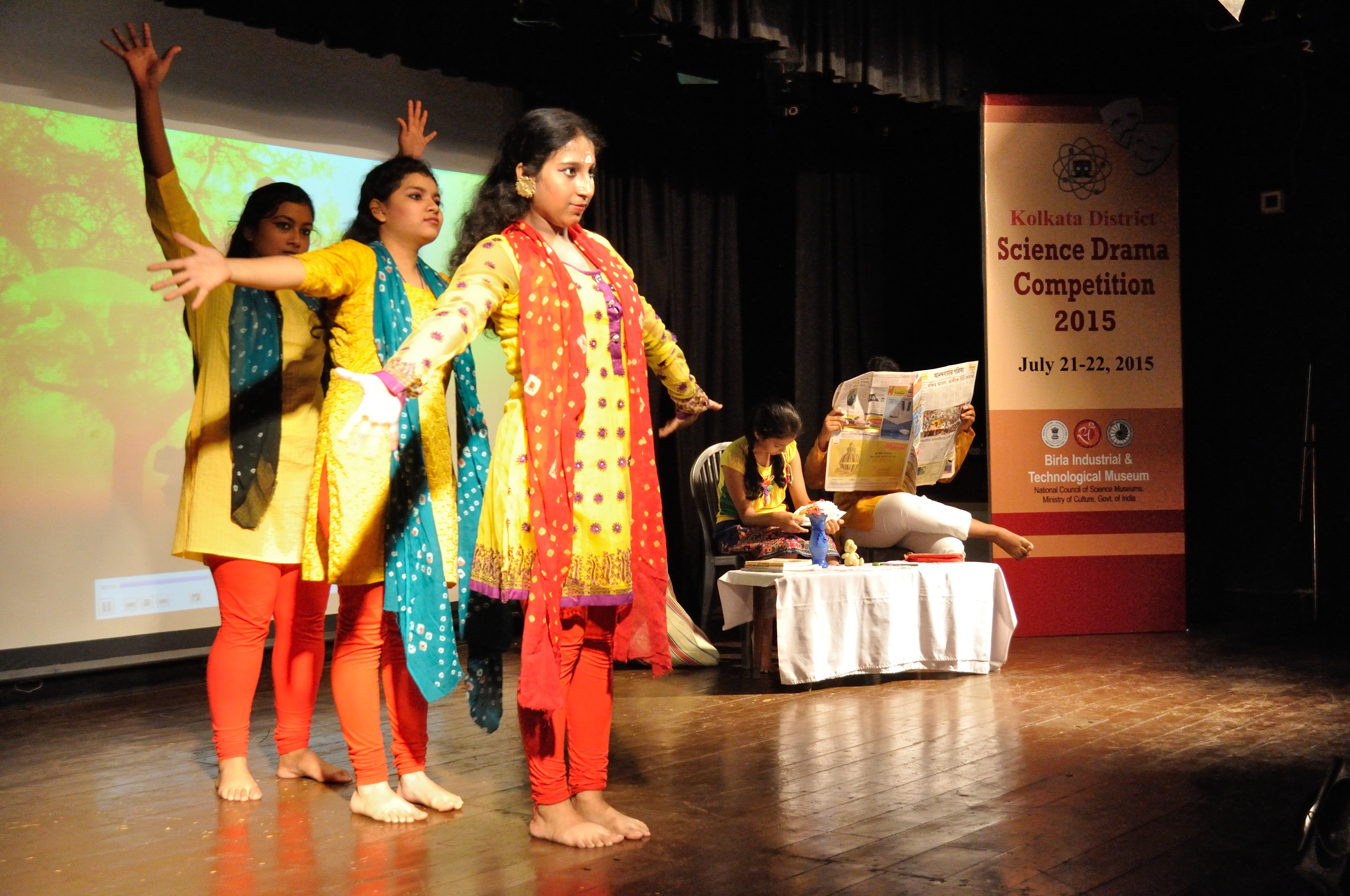 File:Alo O Jiban - Science Drama - Silver Point School - BITM - Kolkata