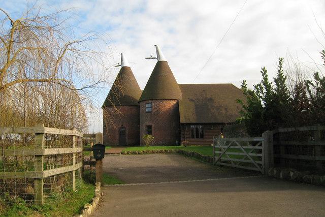 File:Arnoldbrae Oast, Back Street, Leeds, Kent - geograph.org.uk - 680868.jpg
