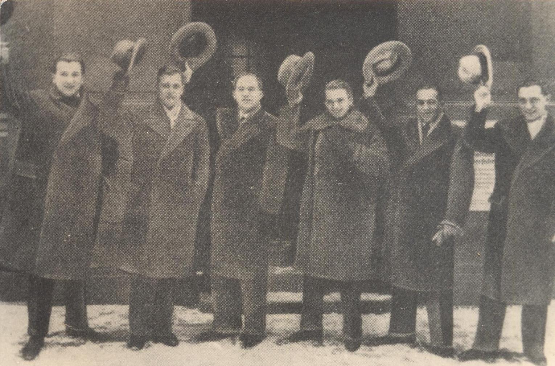 Neujahrsgrüße der Comedian Harmonists, 1930 (von links): Robert Biberti, Erich A. Collin, Roman Cycowski, Erwin Bootz, Ari Leschnikoff und Harry Frommermann.