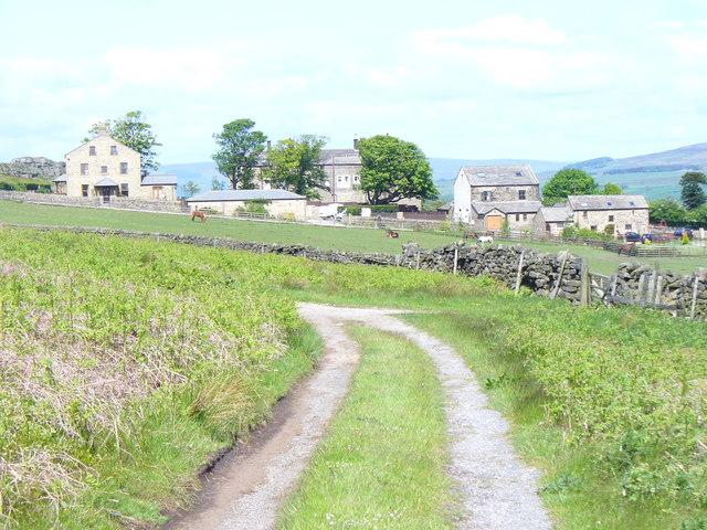 Below Ilkley Moor - geograph.org.uk - 1332270