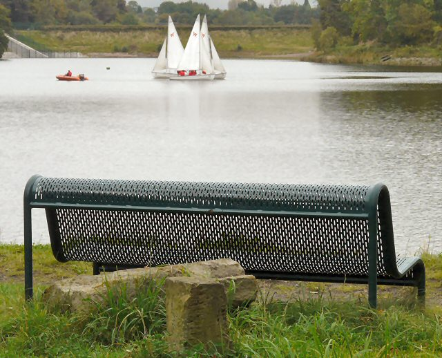 Bench at Gorton Lower Reservoir - geograph.org.uk - 1504341