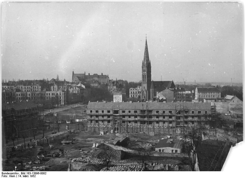 Bundesarchiv Bild 183-13896-0002, Frankfurt-Oder, Wohnungsbau.jpg