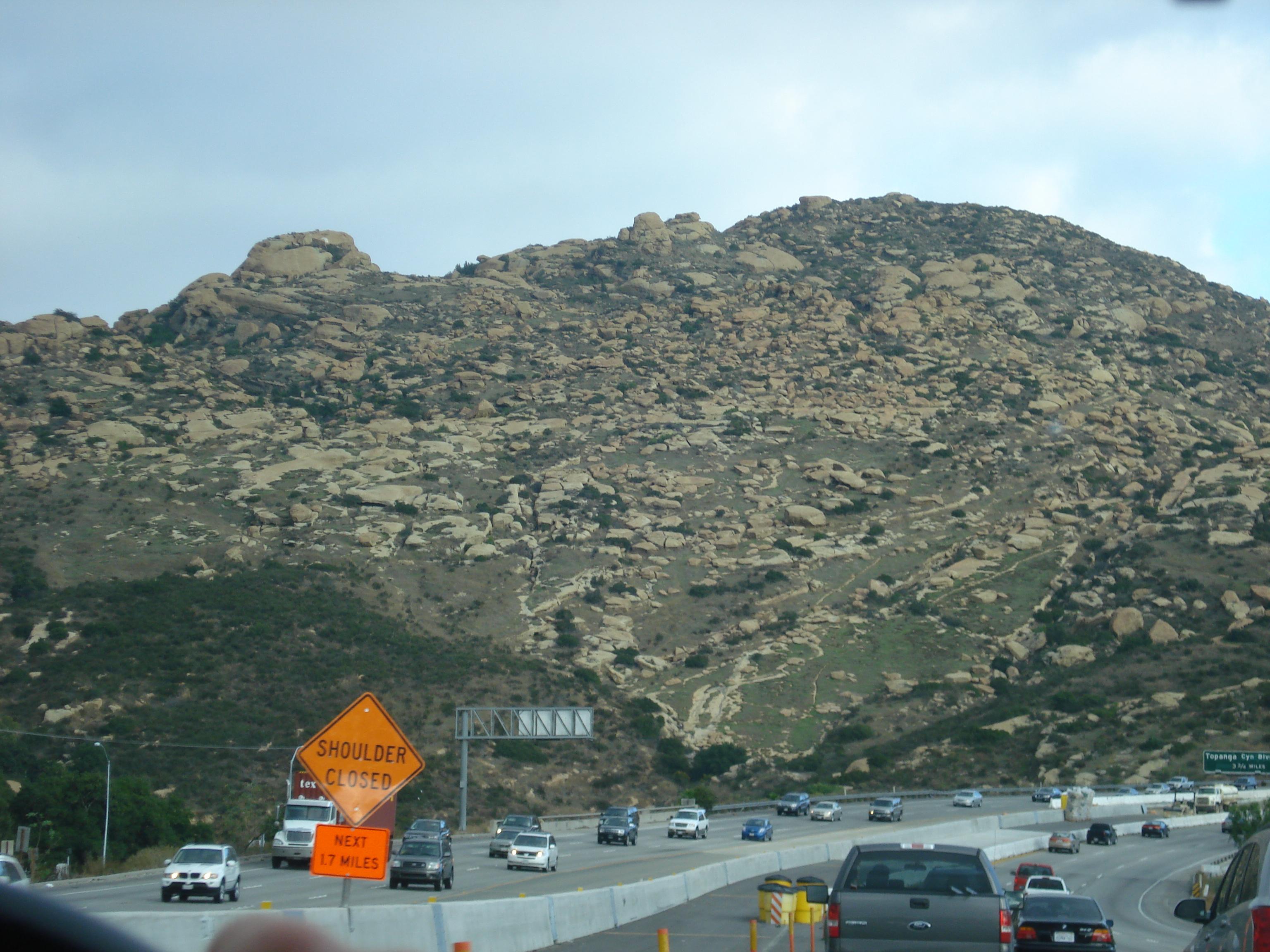 File:CA SR 118 in Simi...