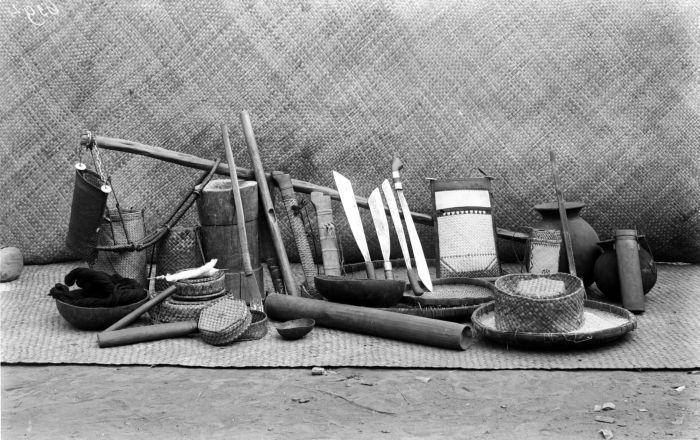 File:collectie tropenmuseum stilleven van huisraad west flores ngada