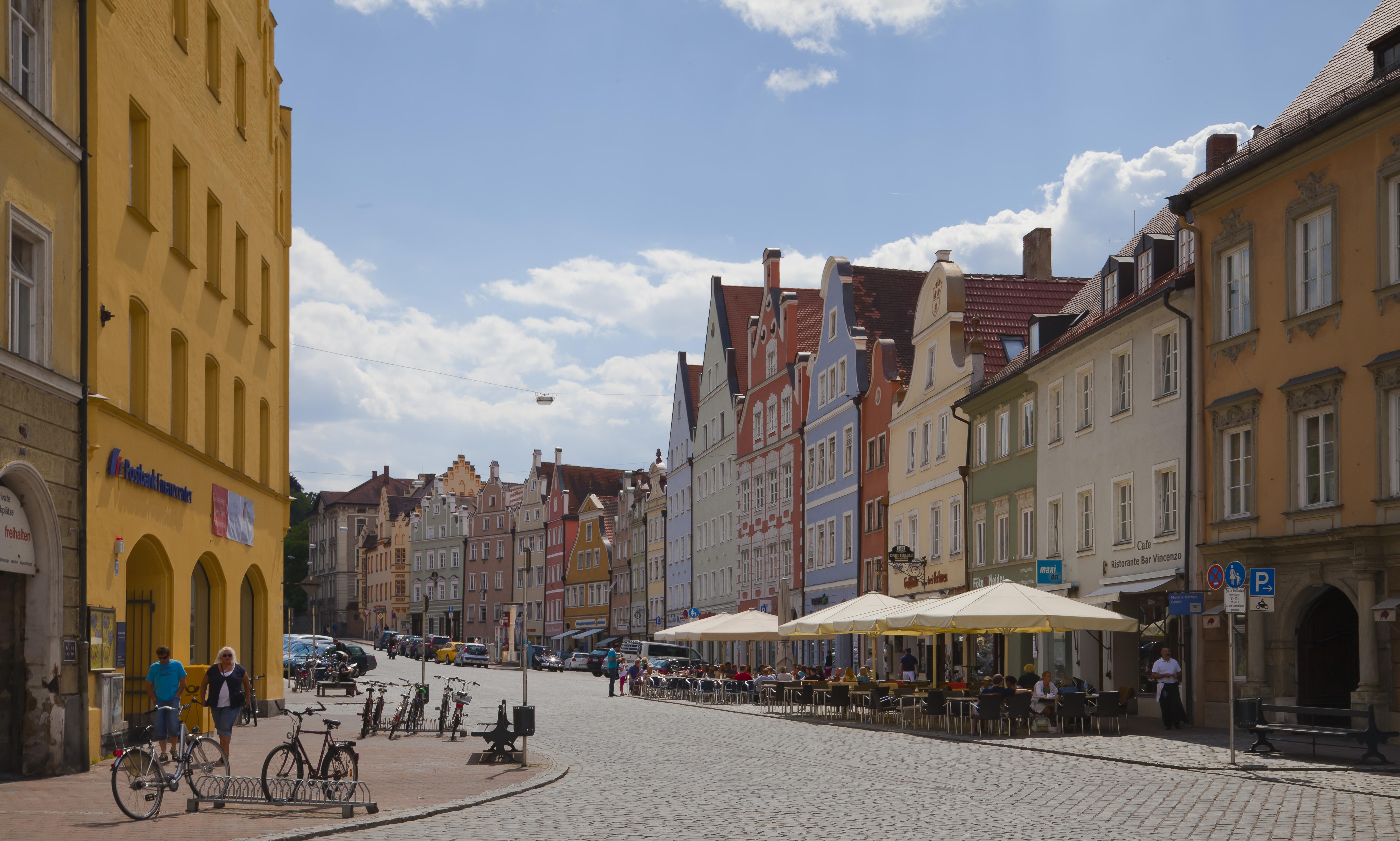 File:Calle Altstadt, Landshut, Alemania, 2012-05-27, DD 14 ...