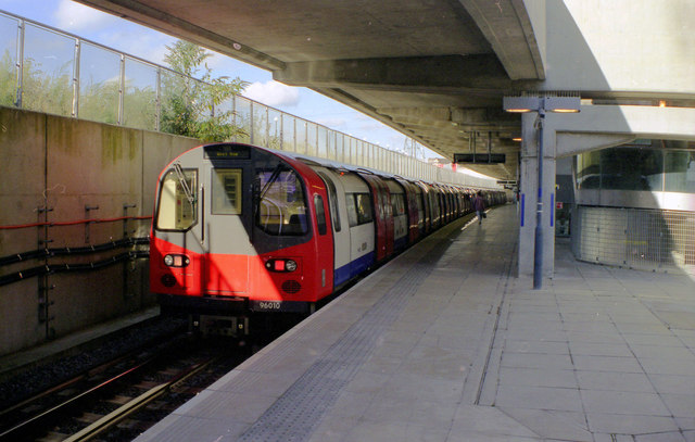 Canning Town station - geograph.org.uk - 823435