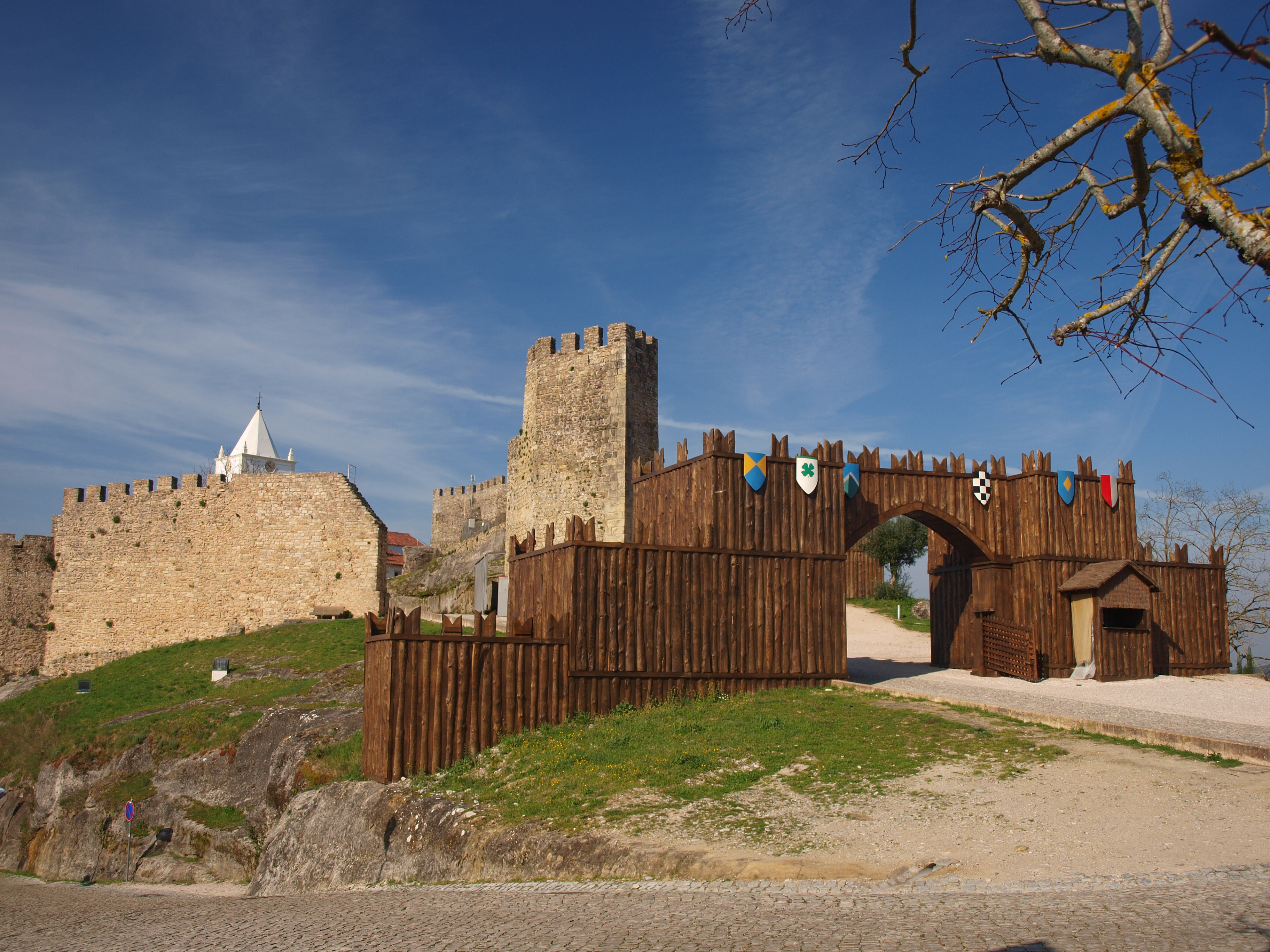 Castle of Penela - Wikipedia
