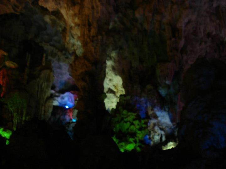 File:Caves in Vietnam, by Daniel Hills 07.jpg