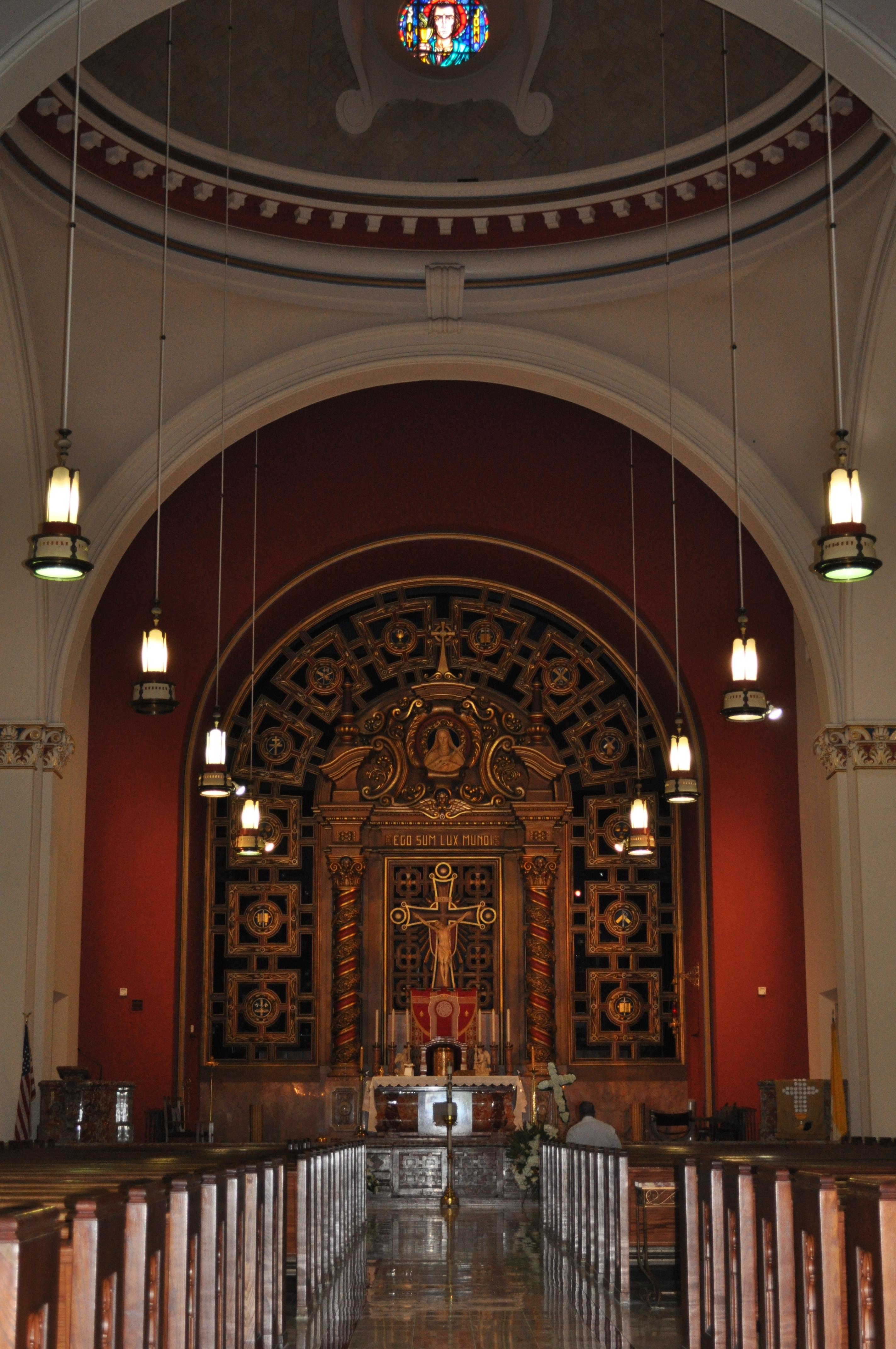File Church of the Little Flower altar Wikimedia mons