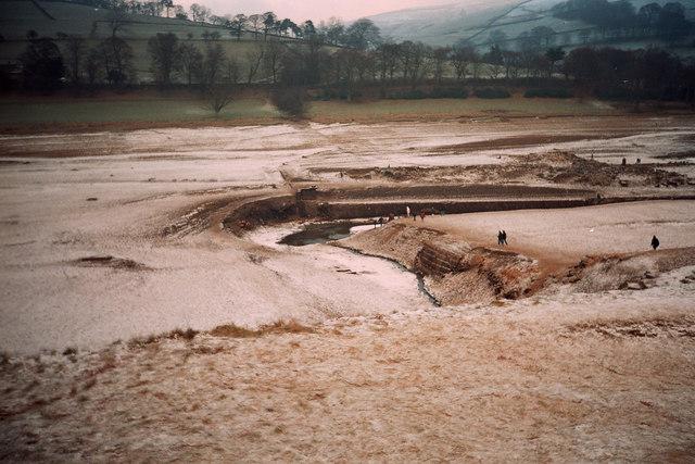 Derwent Village Uncovered - geograph.org.uk - 178743