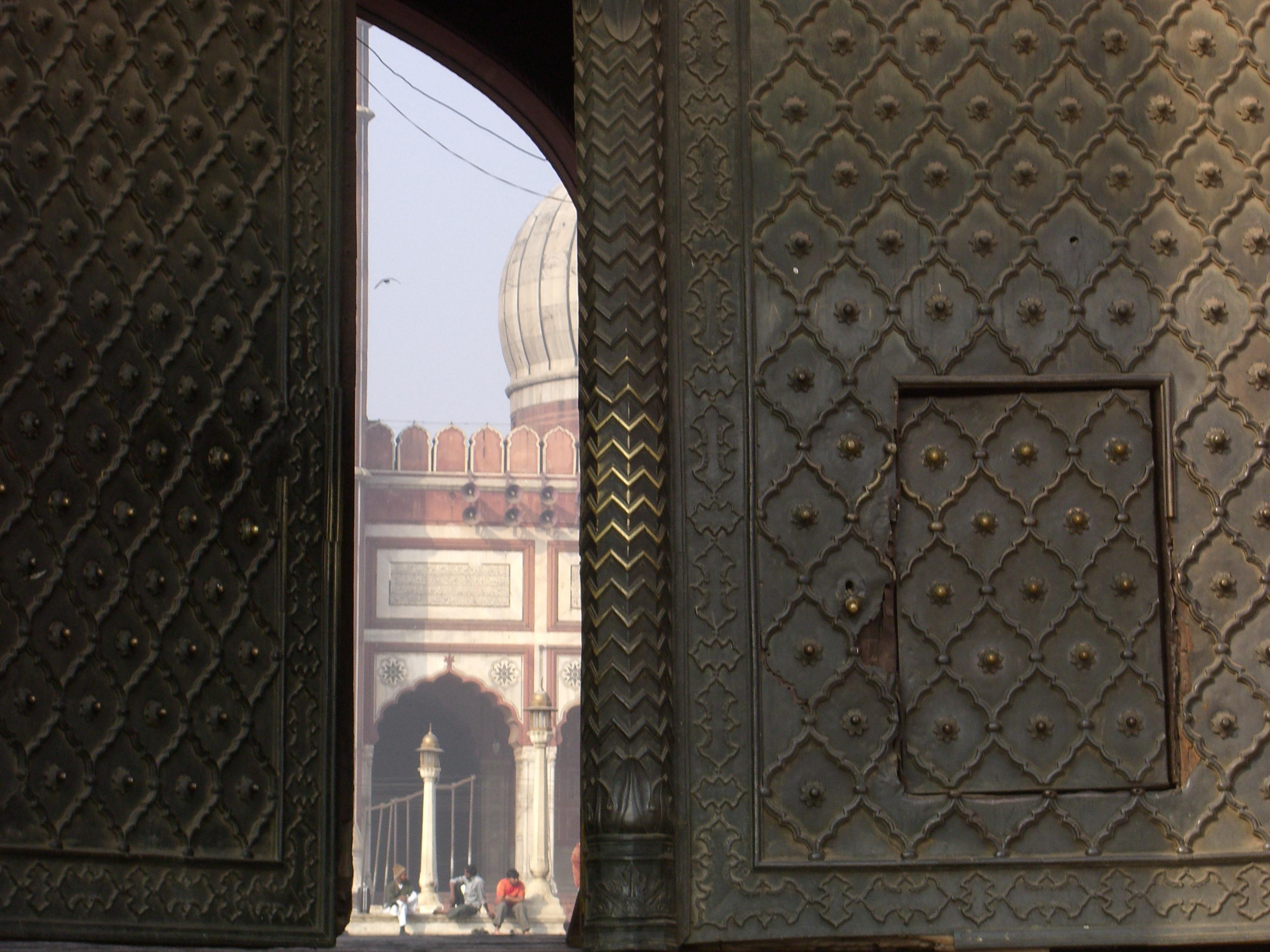 FileDetails of the door to Jama Masjid Delhi.jpg & File:Details of the door to Jama Masjid Delhi.jpg - Wikimedia Commons