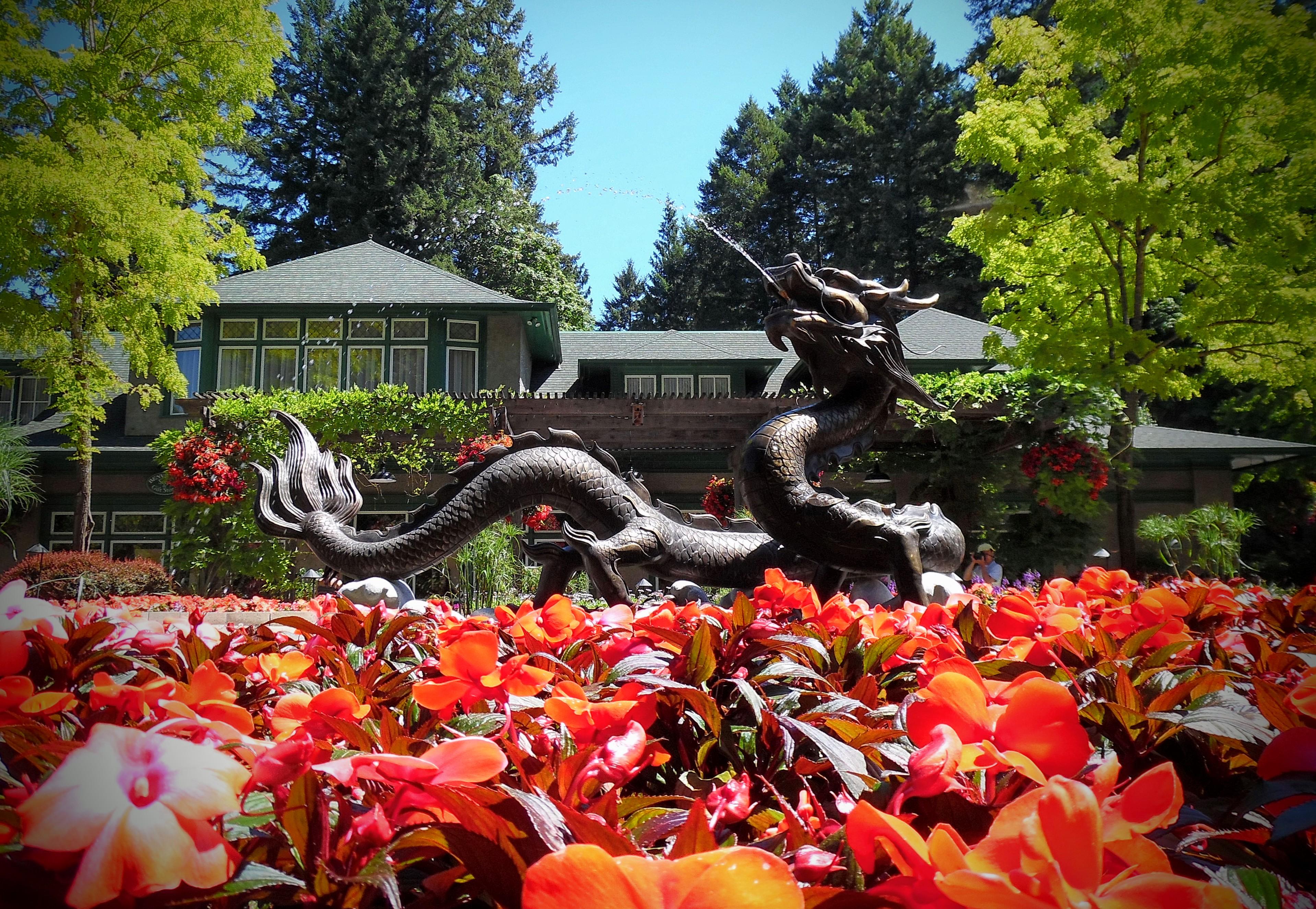 Butchart gardens canada wiki garden ftempo Kew gardens motor inn