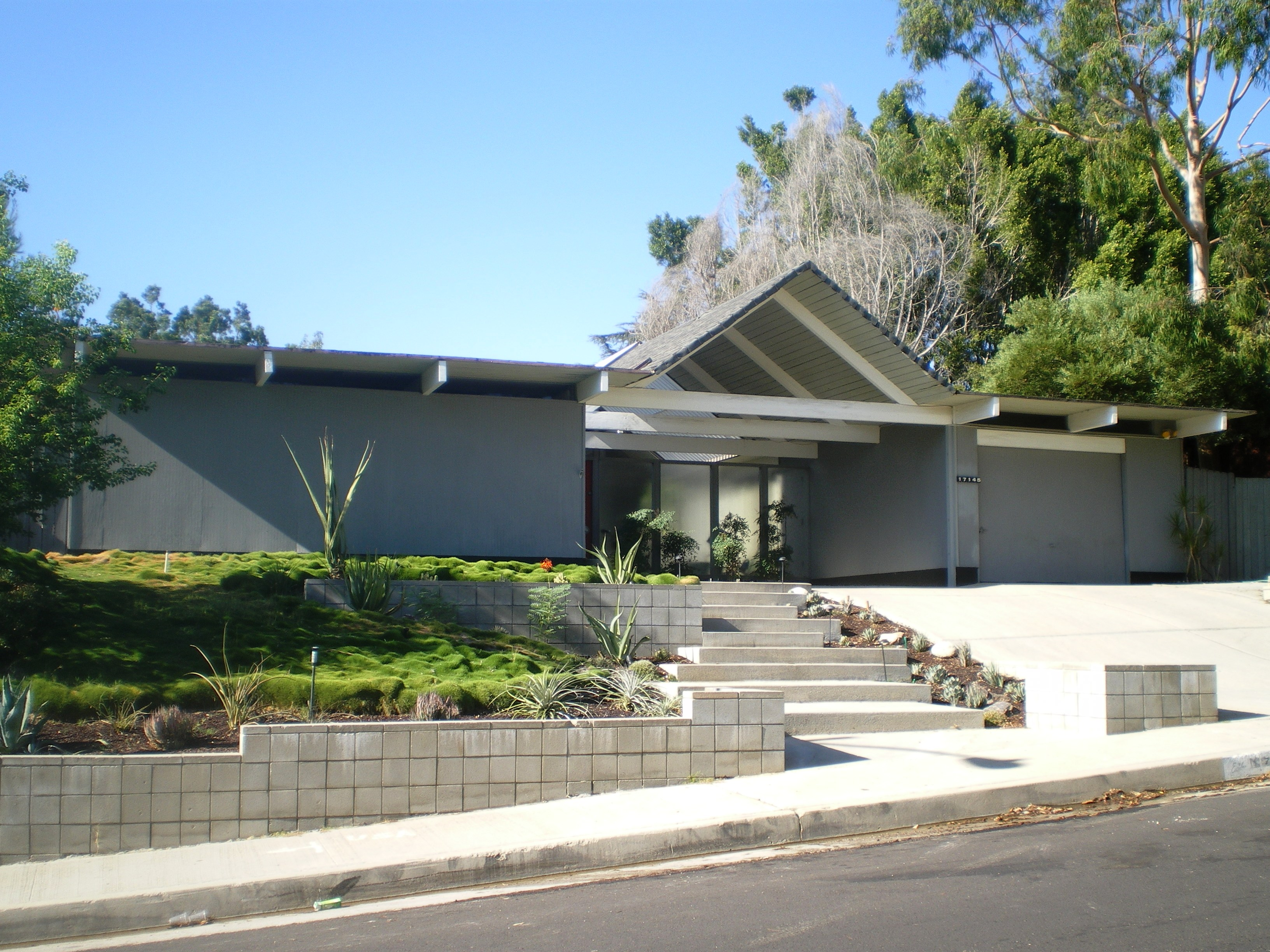 File eichler homes foster residence granada for Mid century modern prefab homes