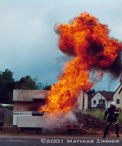 File:Fettexplosion.jpg