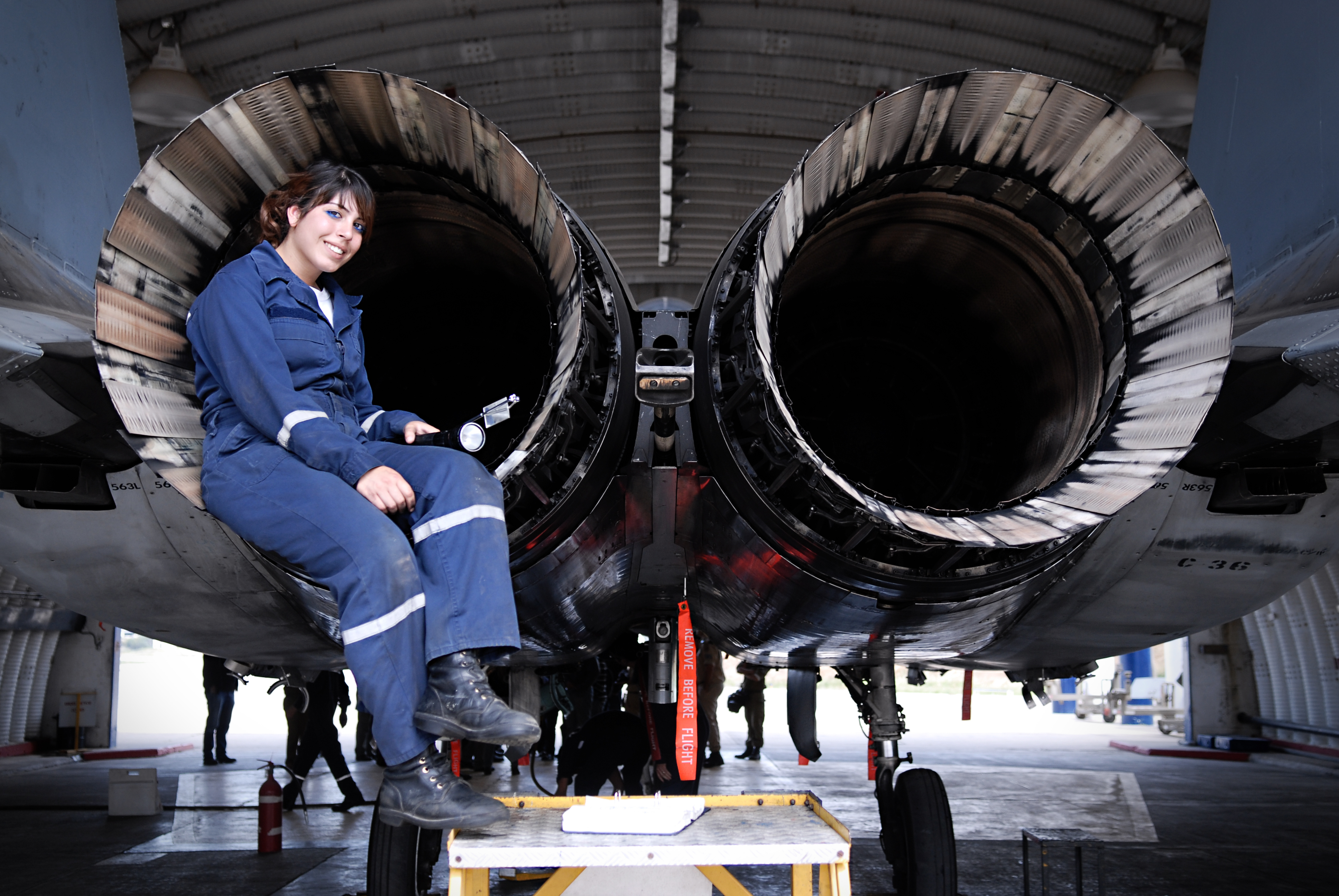 fileflickr israel defense forces airplane technician