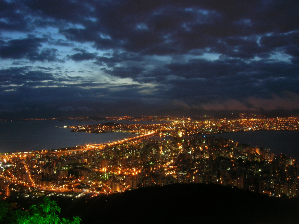 Florianopolis by night by Marina C. Vinhal (cc-by-2.0)