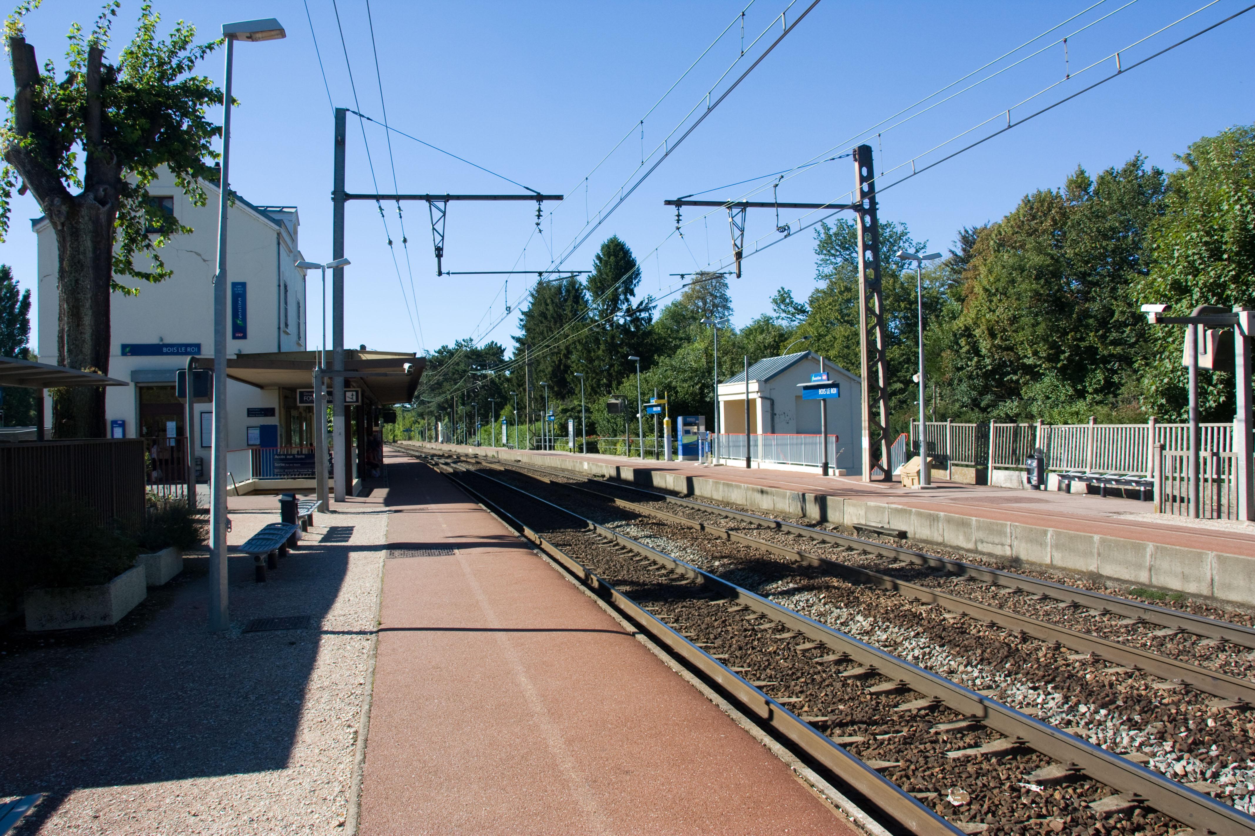 File Gare de Bois le Roi IMG 8430 jpg Wikimedia Commons # Triathlon Bois Le Roi