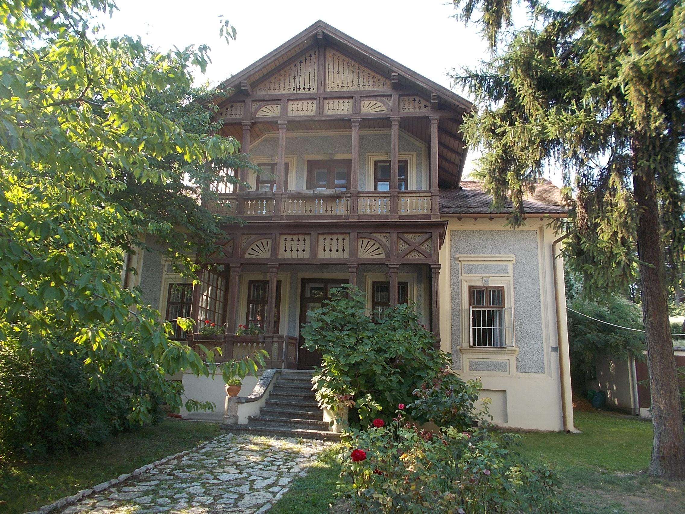 Romantic Hotel Villa Novecento Viale Monte Bianco  Courmaer