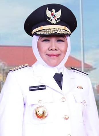 Khofifah Indar Parawansa - Wikipedia bahasa Indonesia