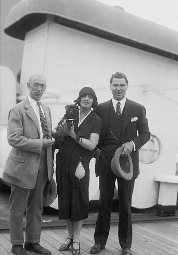 Hal De Forrest (left) and Jack Dempsey with his wife, actress Estelle Taylor. Hal De Forrest, Jack Dempsey with wife.jpg