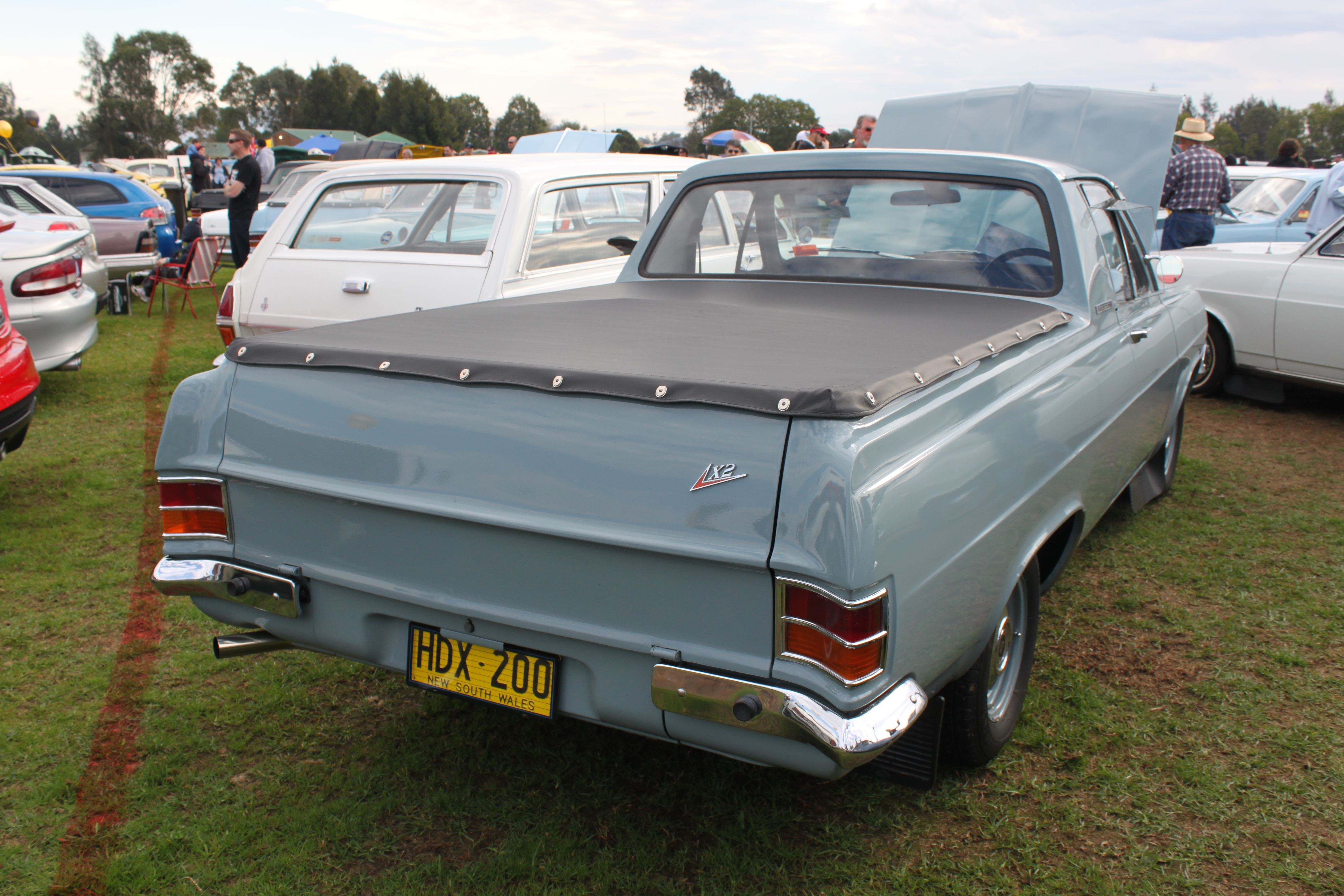File Holden Hd X2 Ute 15255302433 Jpg Wikimedia Commons