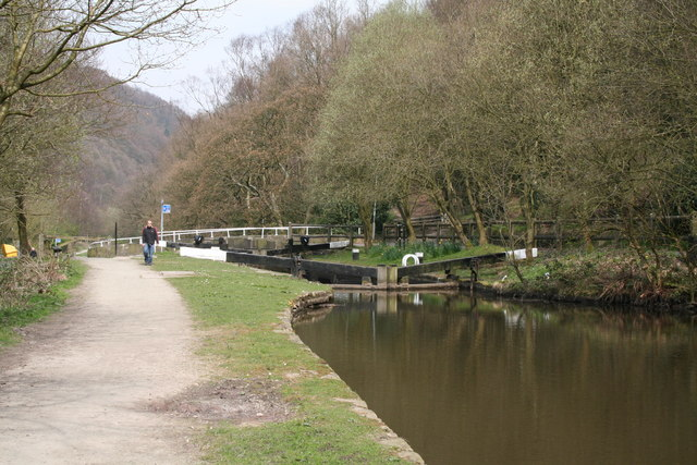 Holmcoat Lock No 14, Rochdale Canal - geograph.org.uk - 404745