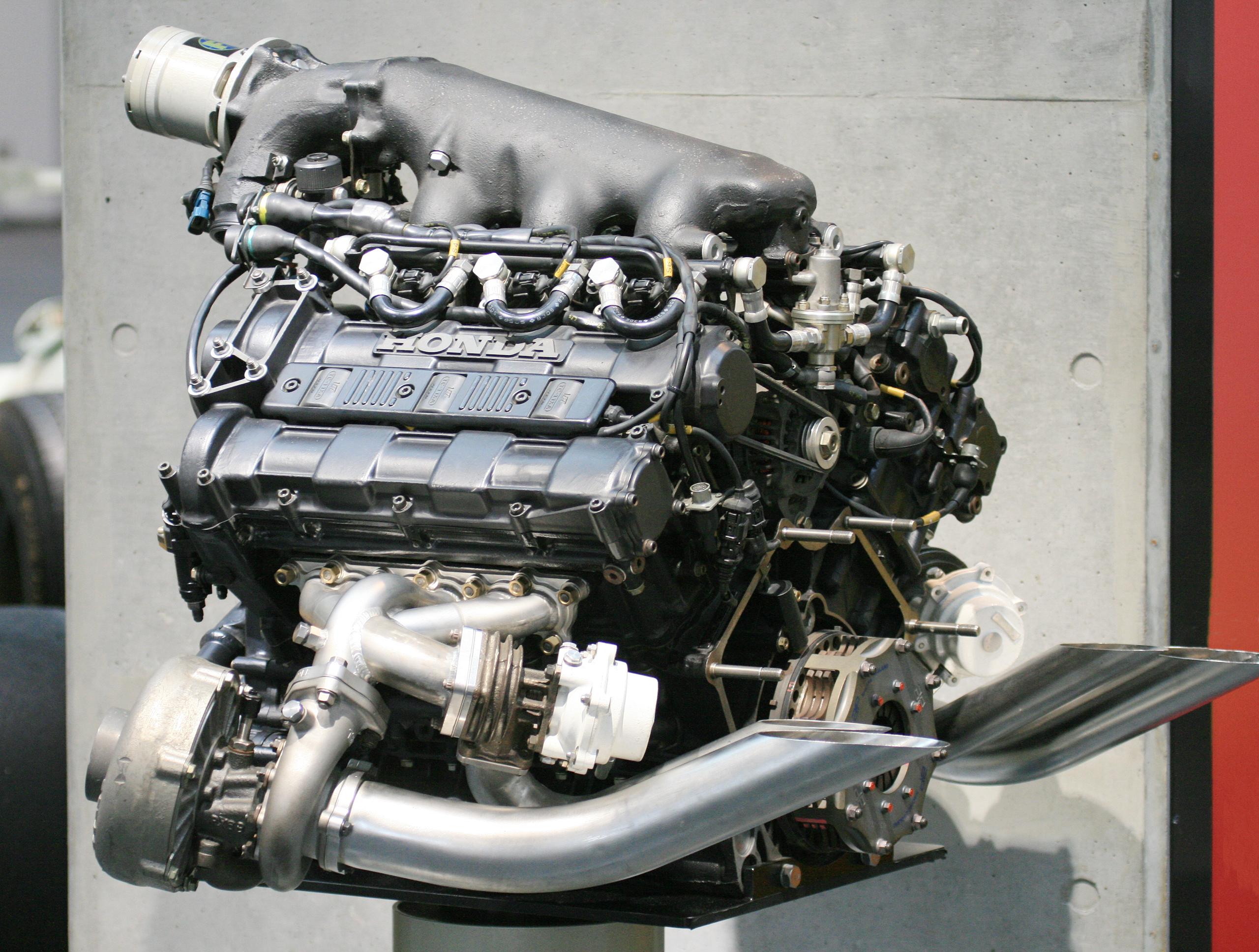 Μεγεθος external wastegate. Honda_RA168E_engine_rear_Honda_Collection_Hall