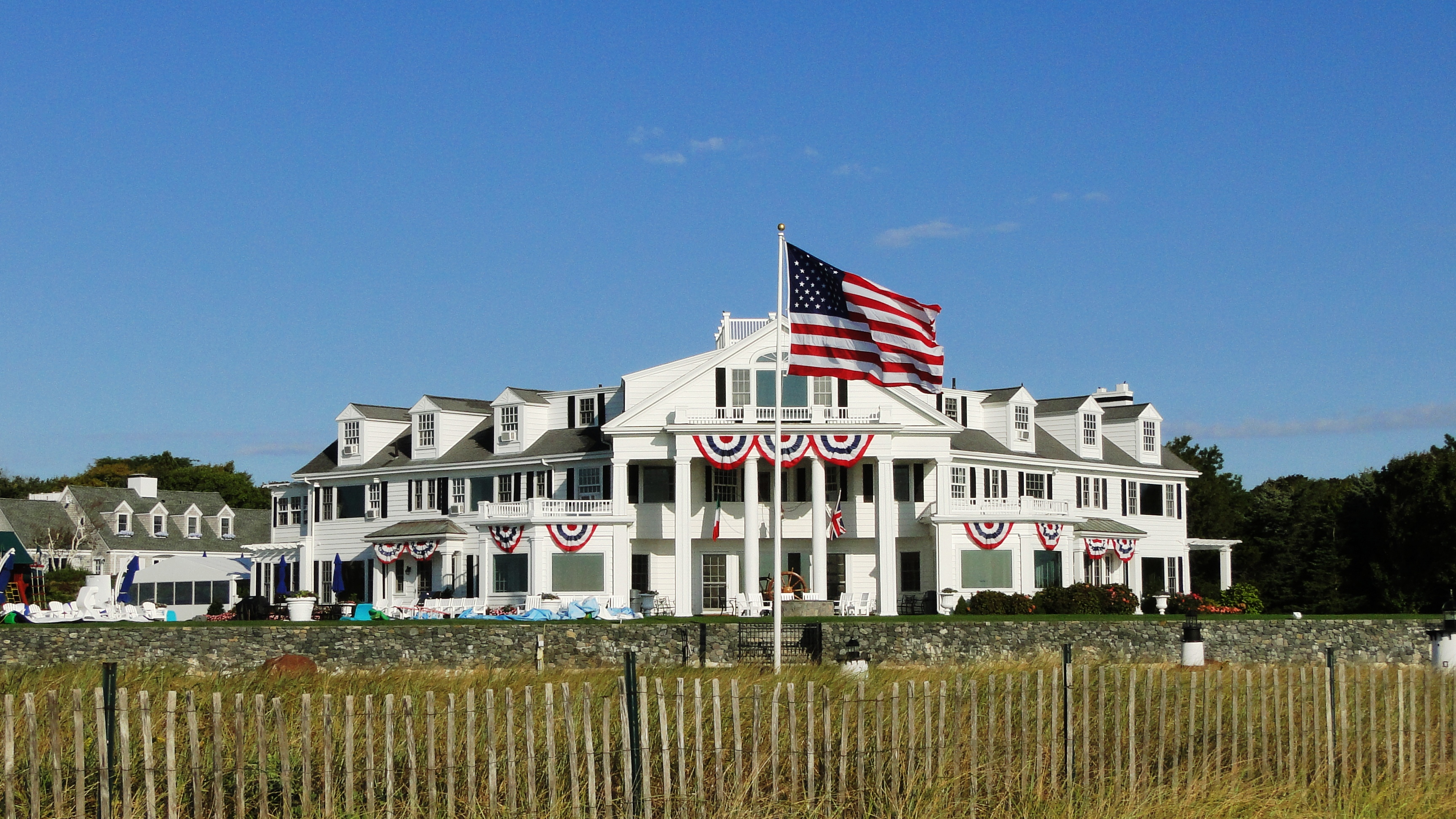 File Hyannis Port Beach Building Jpg