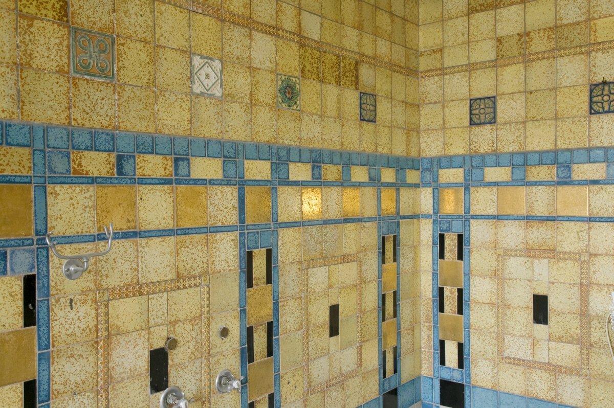 Tegels Badkamer Rotterdam : File interieur overzicht badkamer op de eerste verdieping met de