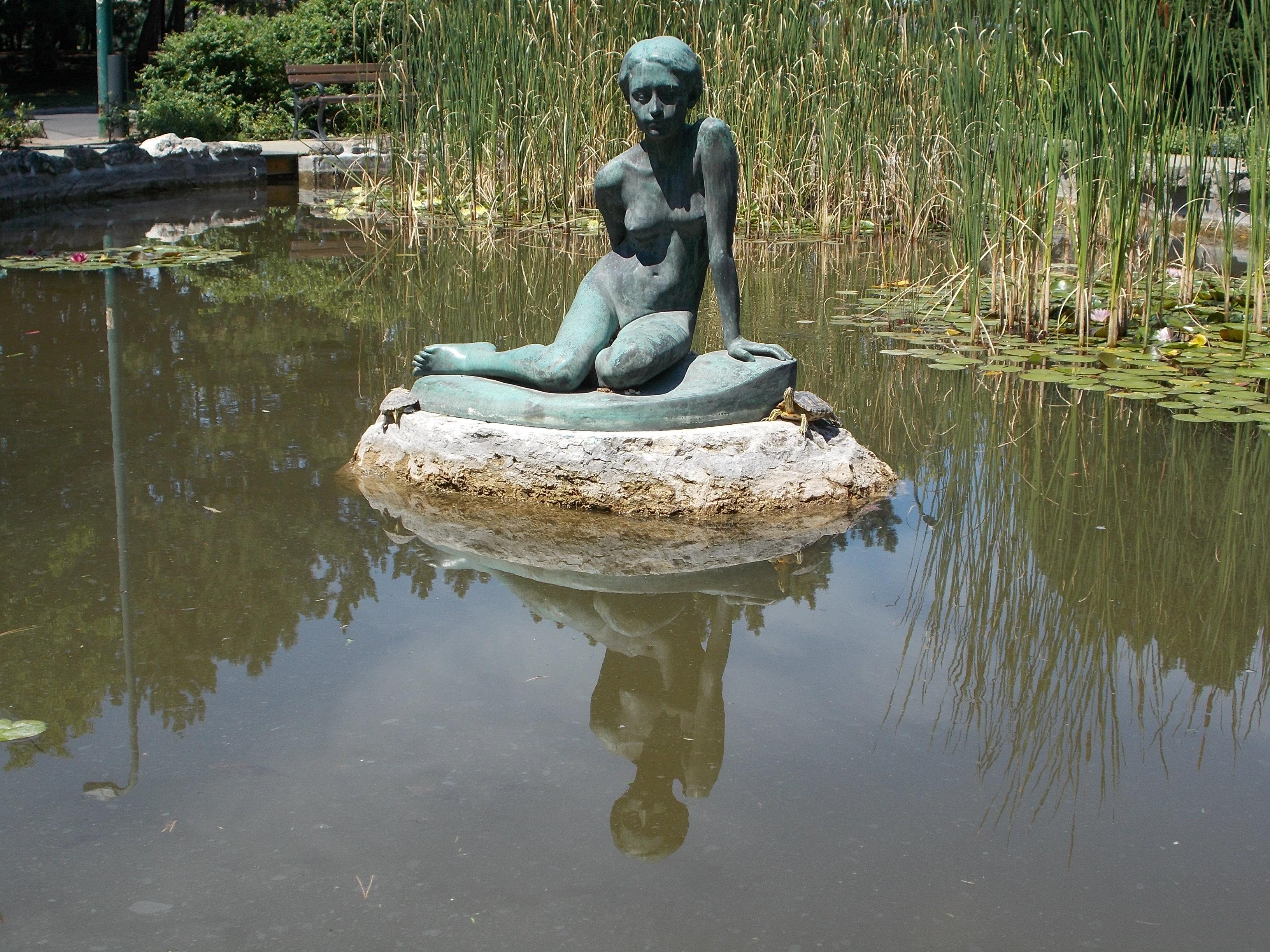 Delicieux File:Japanese Garden. Sitting Girl Statue (Imre Csikász, 1932).