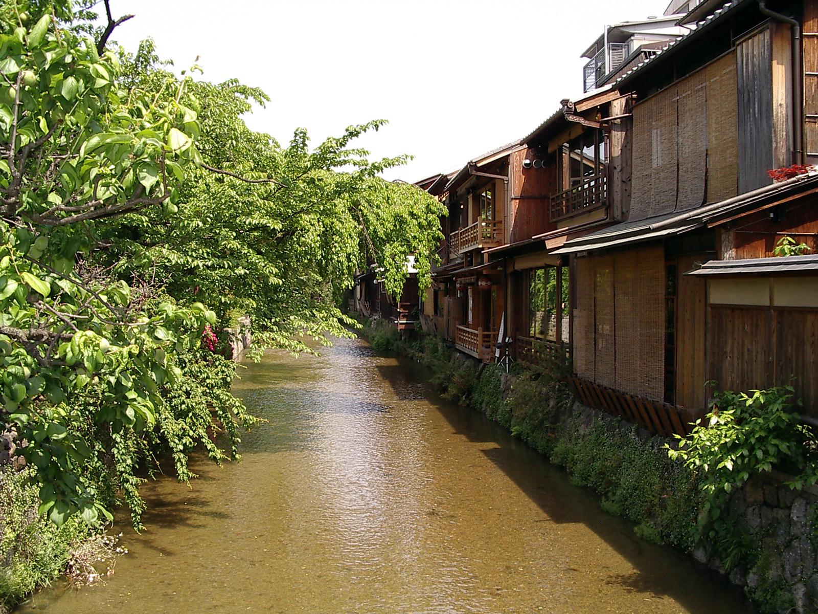 ファイル:Kyoto gion01.jpg - Wikipedia