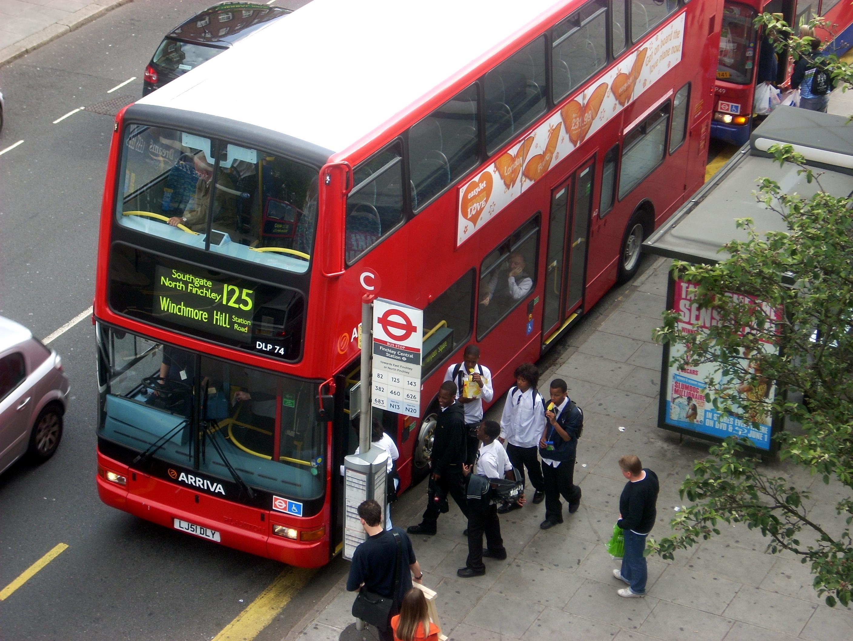 file:london bus 125 - wikimedia commons