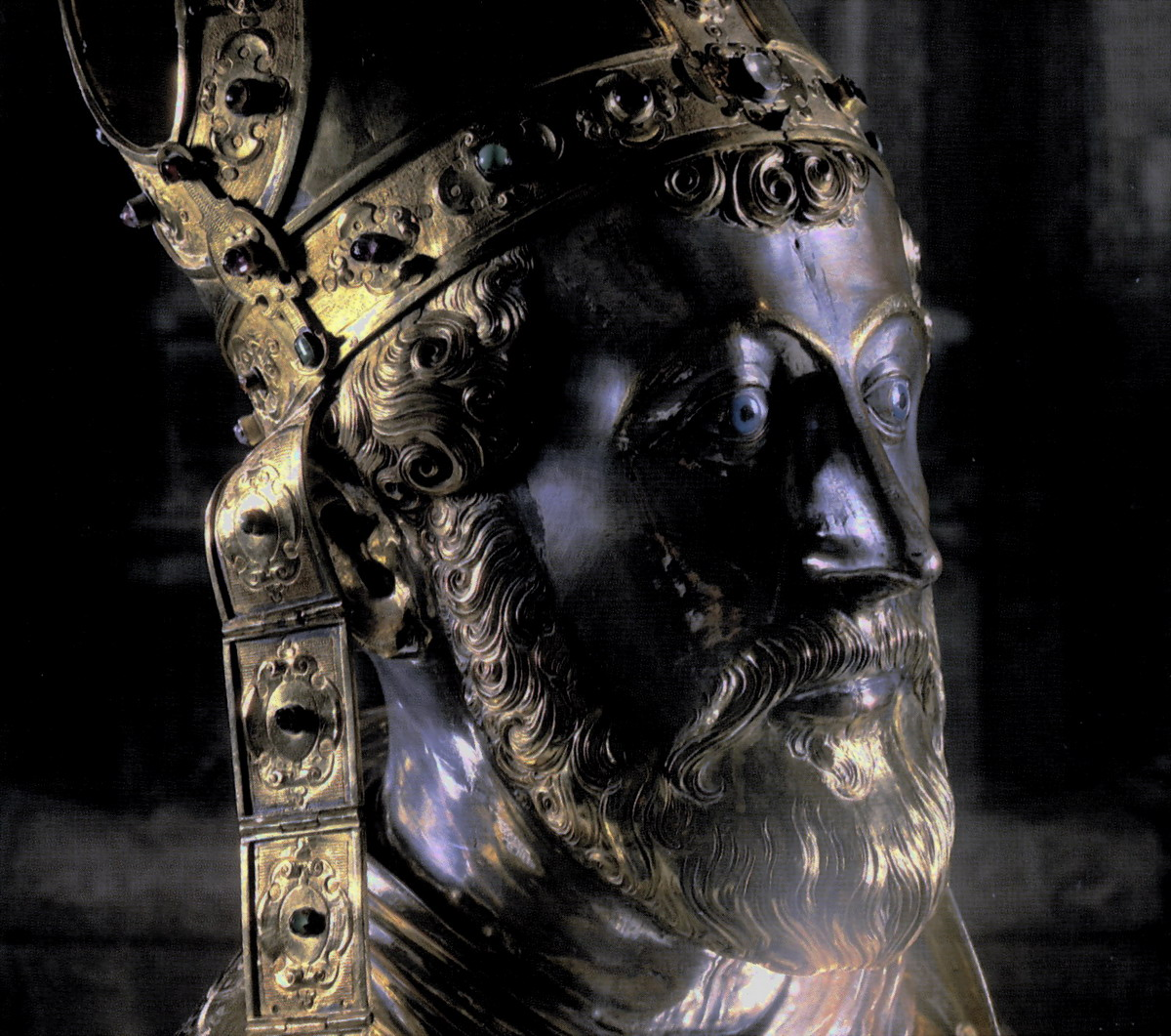 Maastricht, Treasury of Saint Servatius, reliquary bust of Servatius