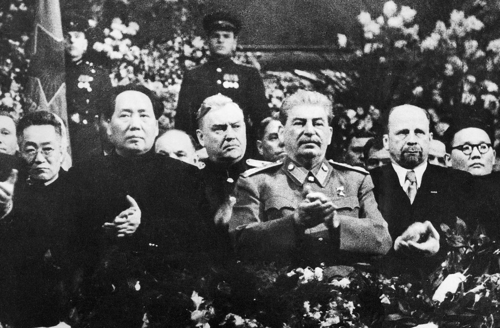 File:Mao, Bulganin, Stalin, Ulbricht Tsedenbal.jpeg
