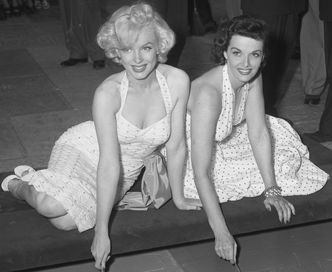 Marilyn Monroe and Jane Russell at Chinese Theater 2