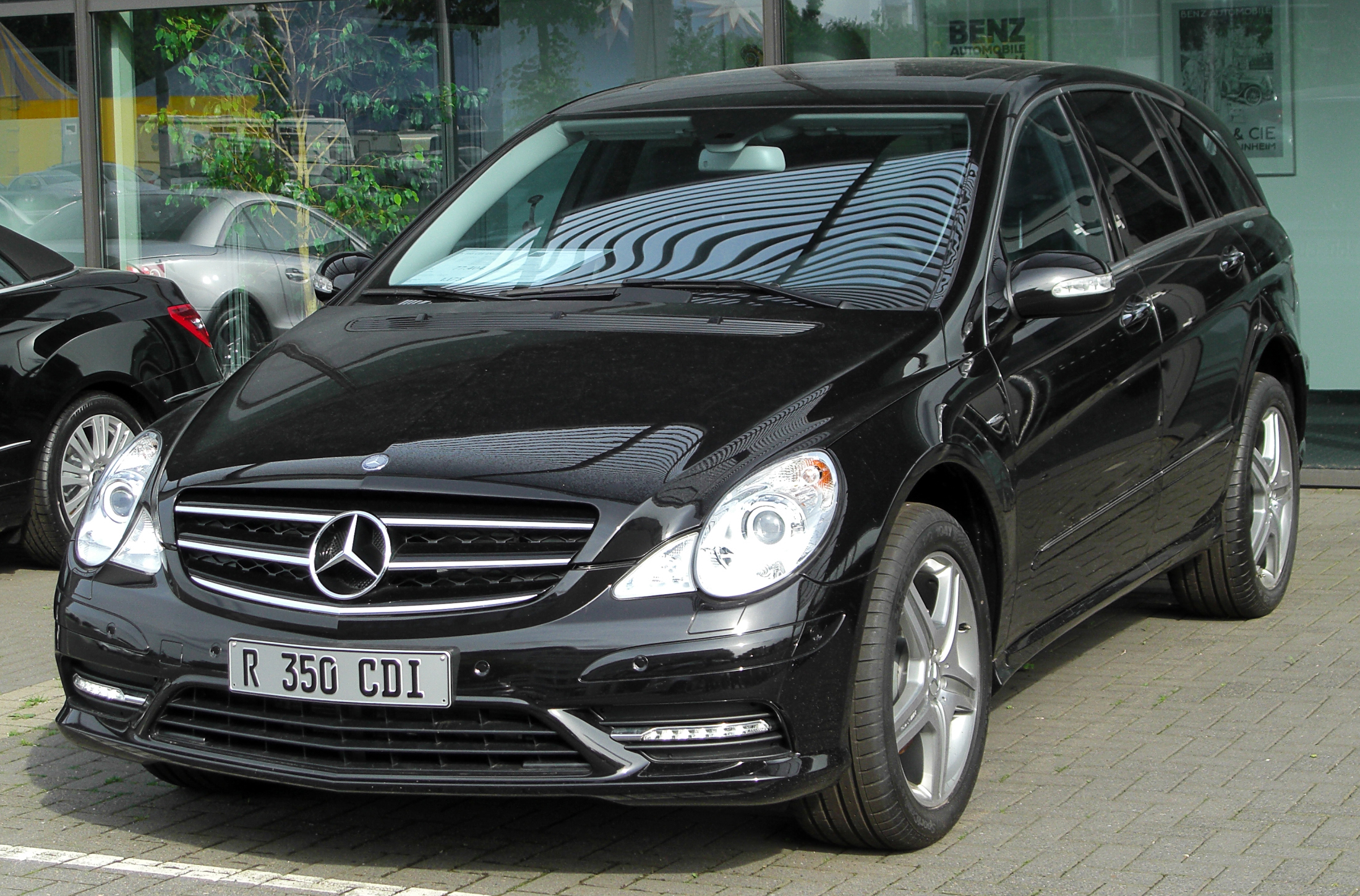 Mercedes Benz R Awd Six Seater Grand Tourer